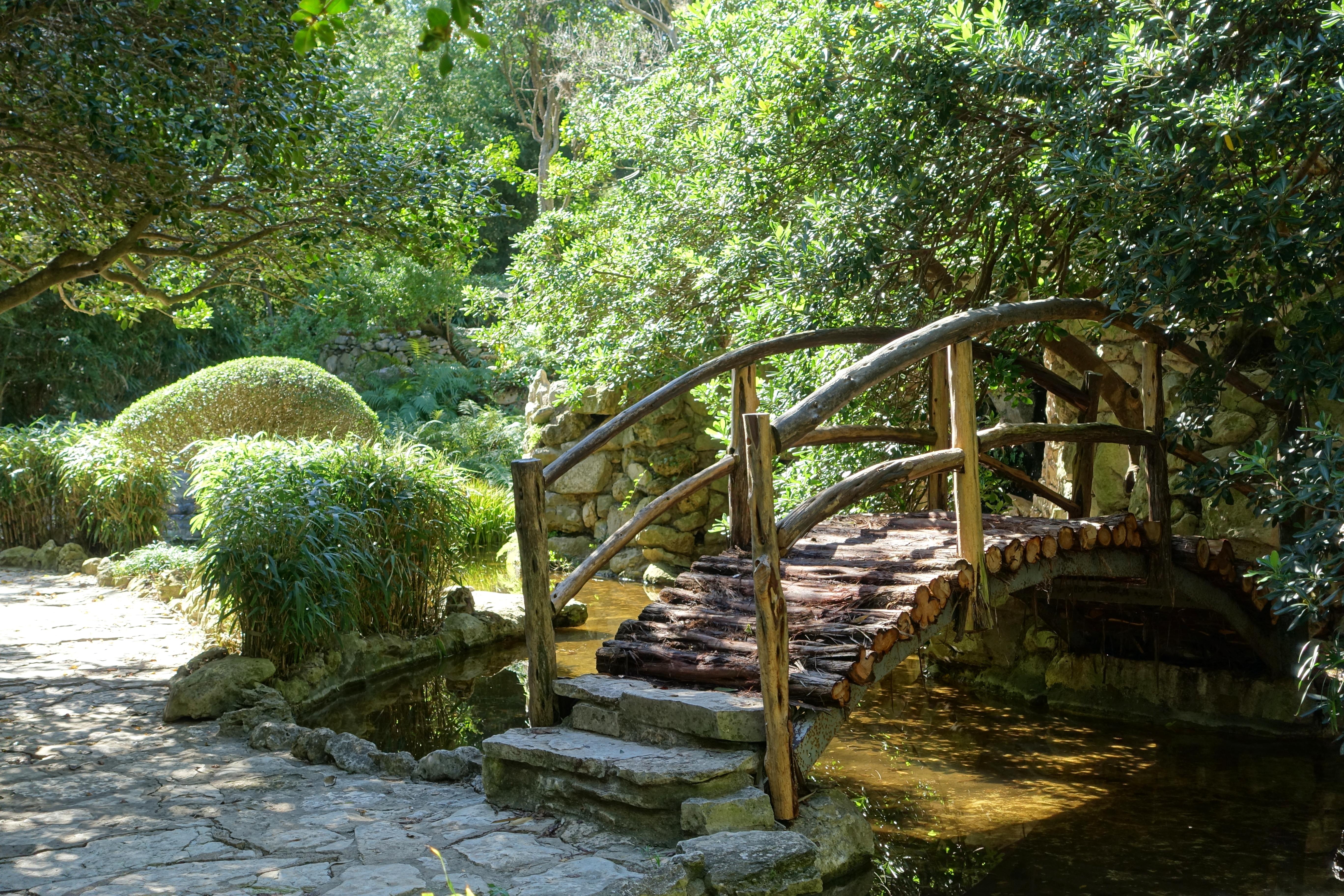 File:Bridge   Isamu Taniguchi Japanese Garden   Zilker Botanical Garden    Austin, Texas