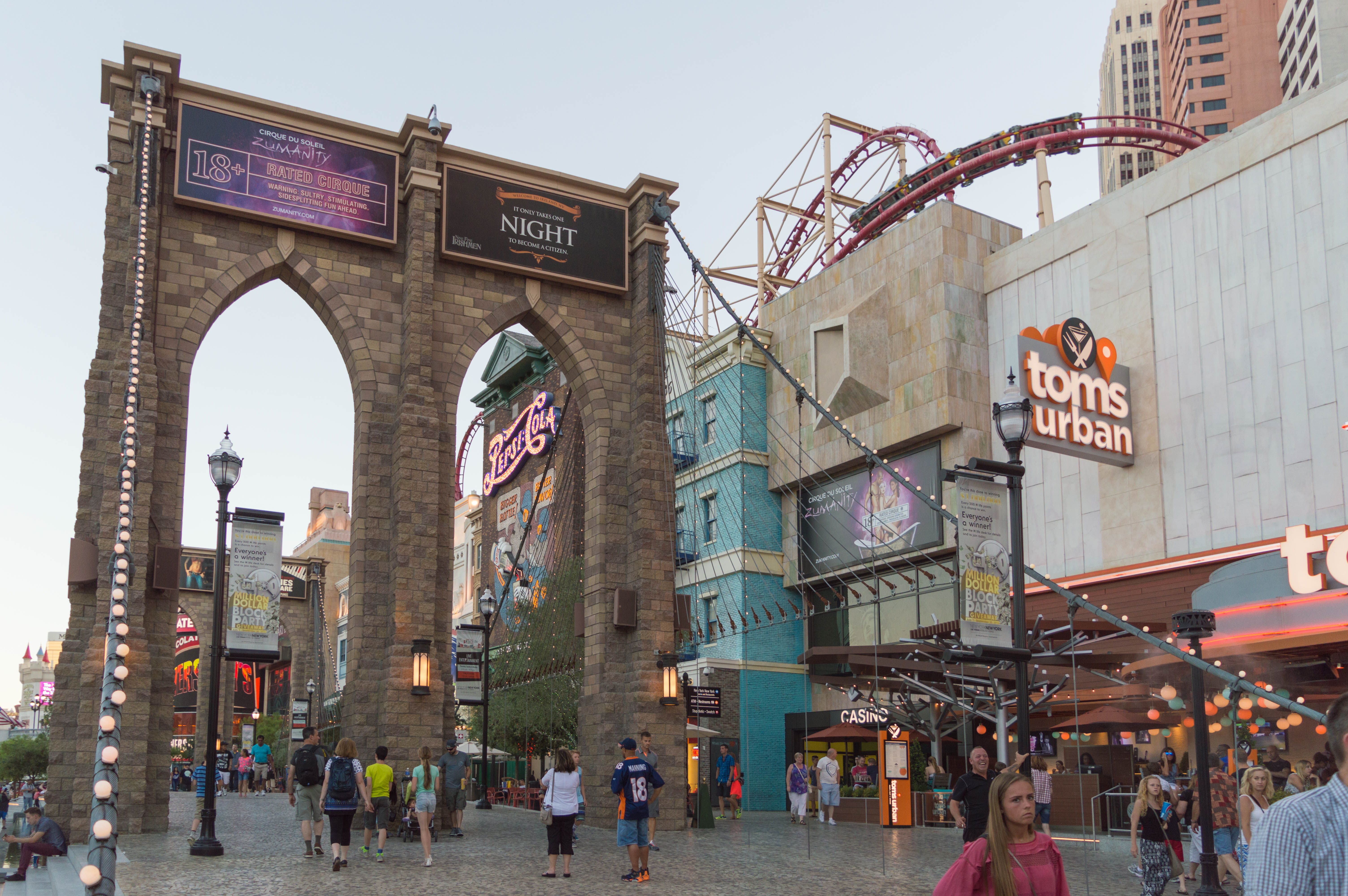 File Brooklyn Bridge At New York Hotel In Las Vegas Jpg