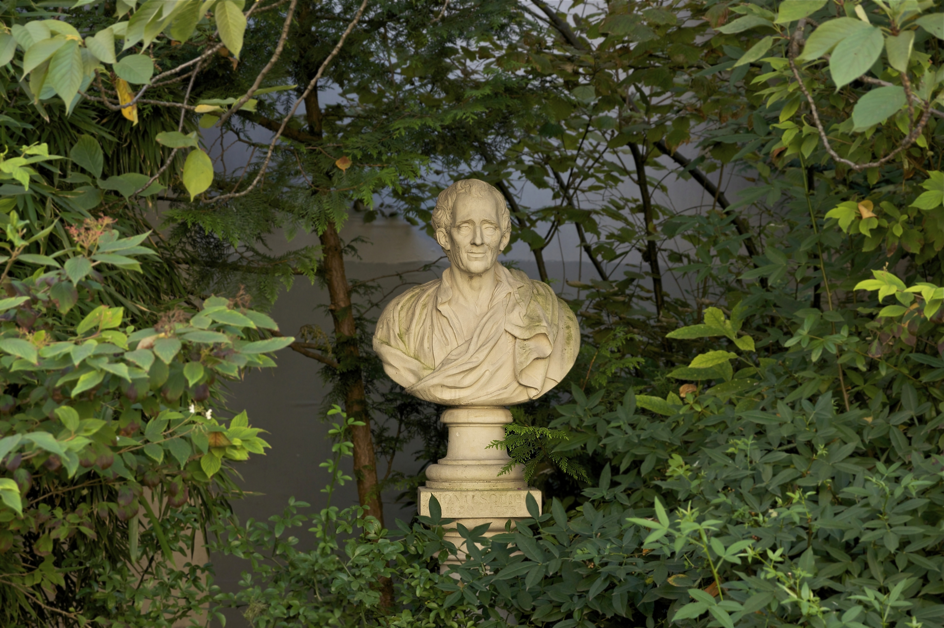 Bildergebnis für Wikimedia Commons Bilder Montesquieu'