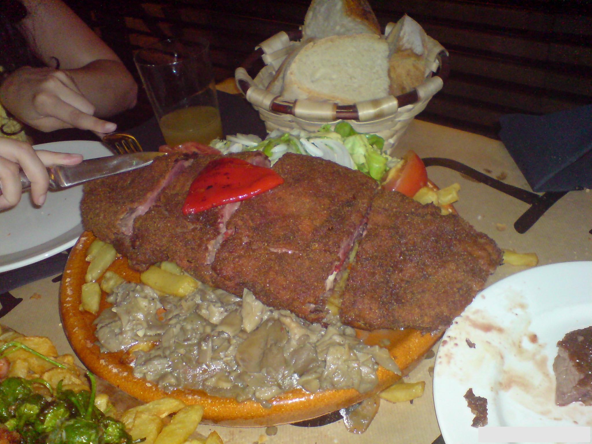 File cachopo tierra astur1 jpg wikimedia commons for Asturias cuisine