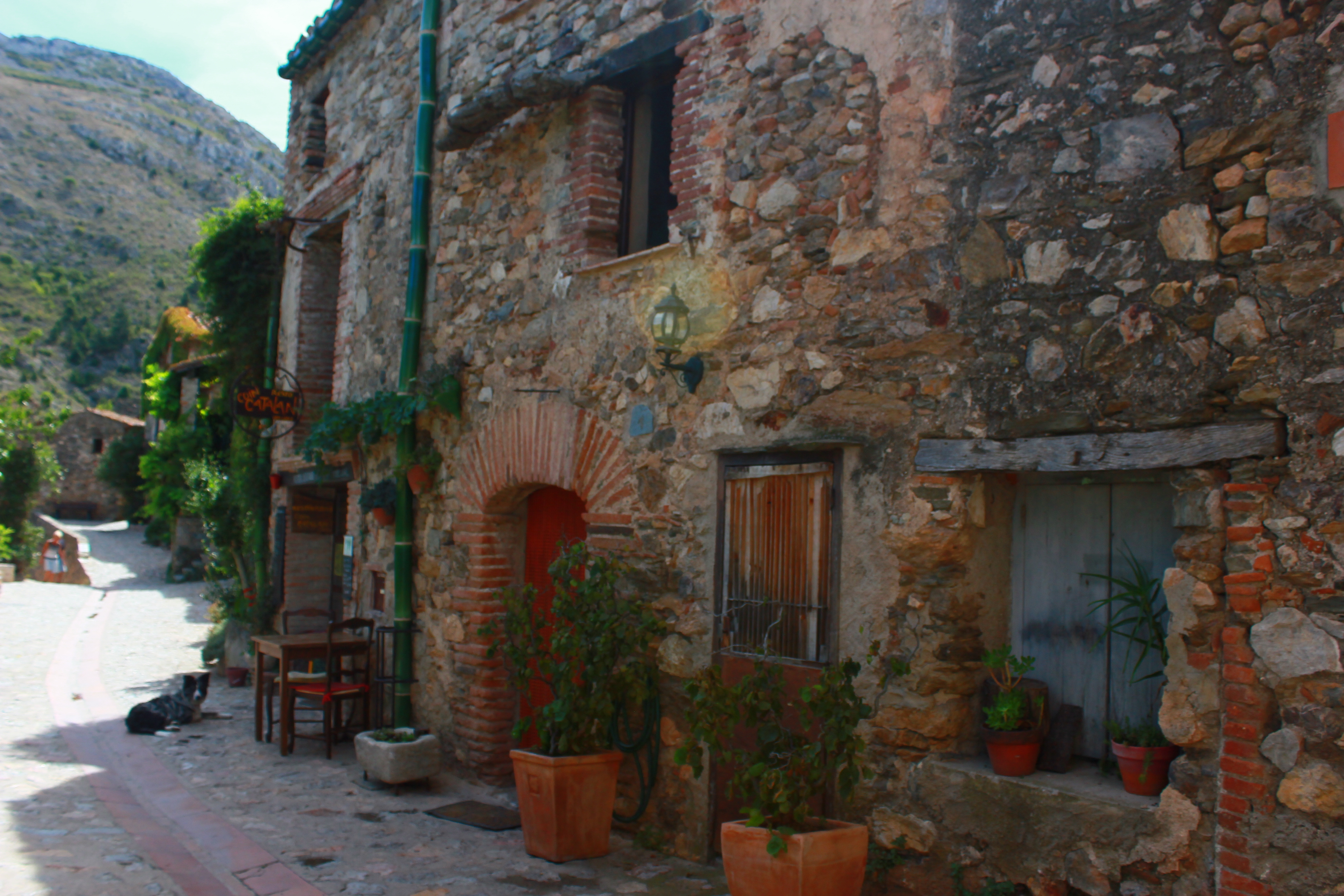 Castelnou_(66),_un_des_plus_beaux_village_de_France32.jpg