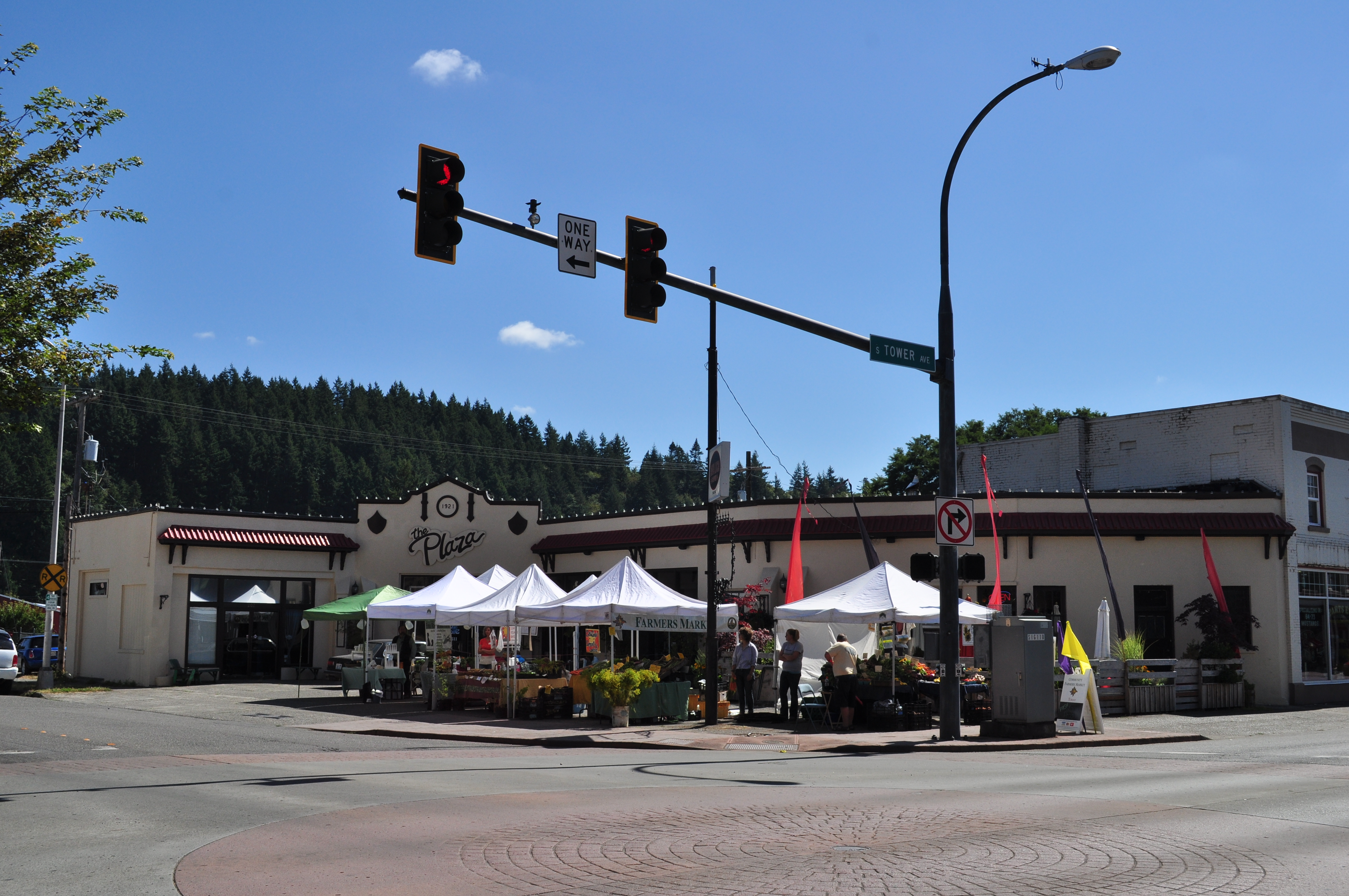 Centralia (WA) United States  City pictures : Description Centralia, WA farmers' market on Tower Avenue 01