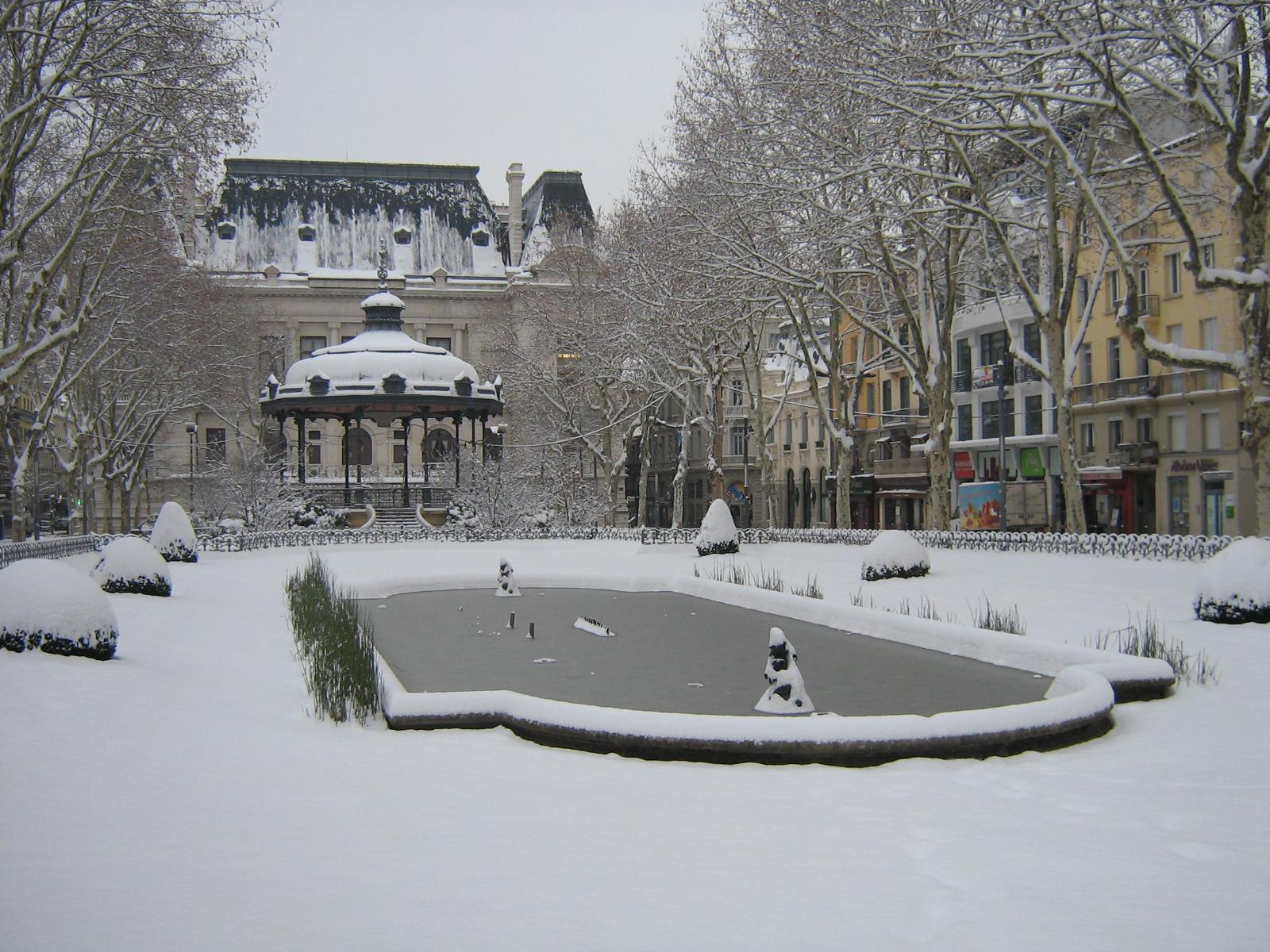 File centre ville de saint tienne sous la - Piscine saint etienne de saint geoirs ...