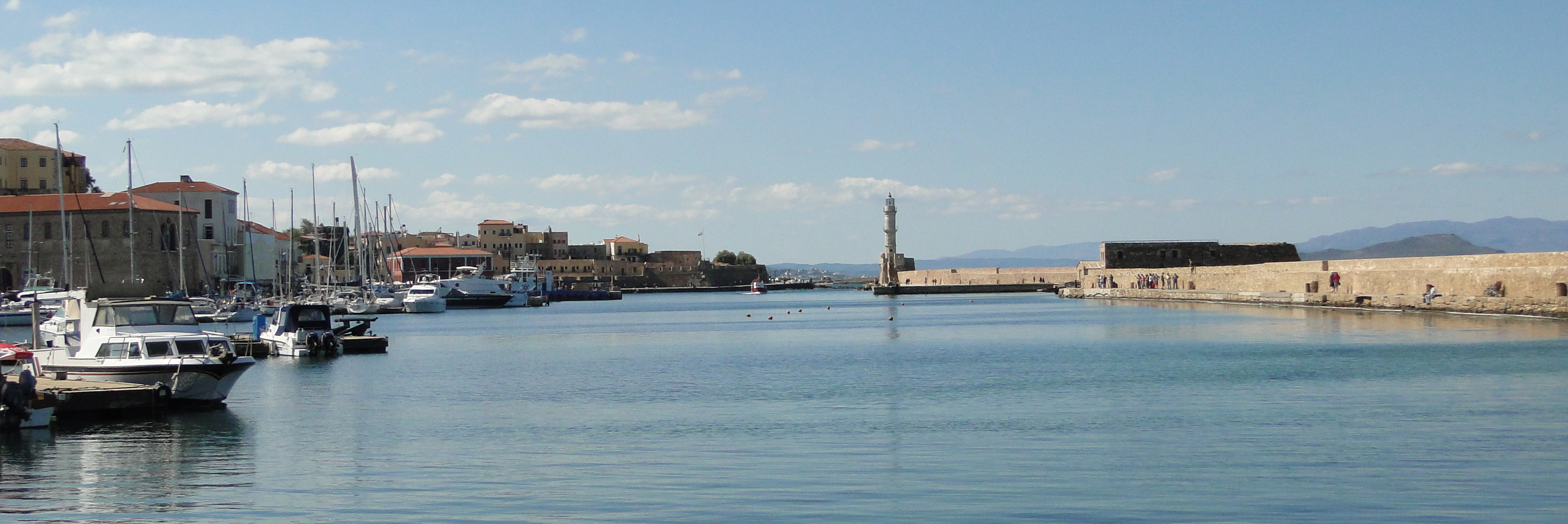 File:Chania Old Harbour 01.jpg - Wikimedia Commons