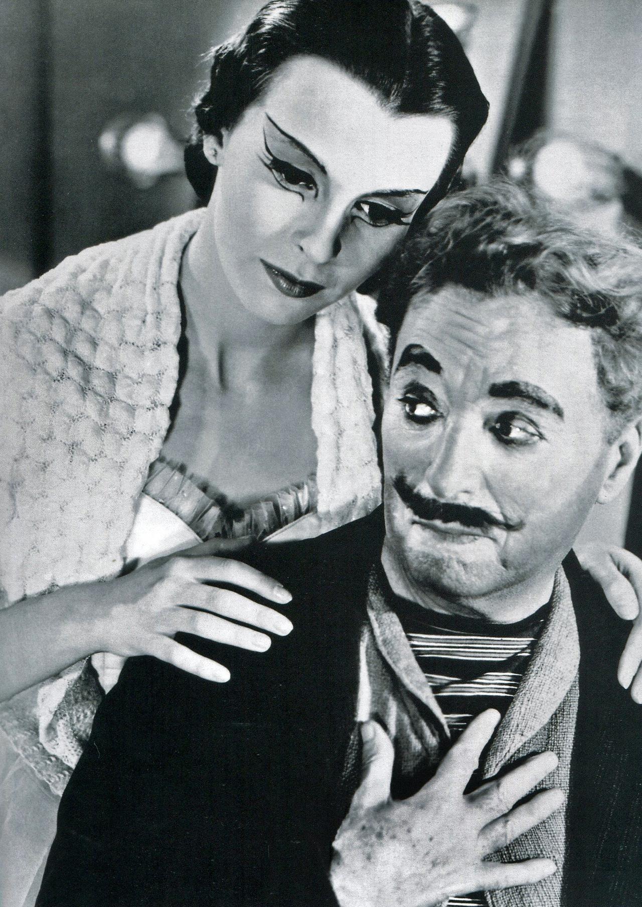 Chaplin_-_Bloom_-_1952-1.jpg