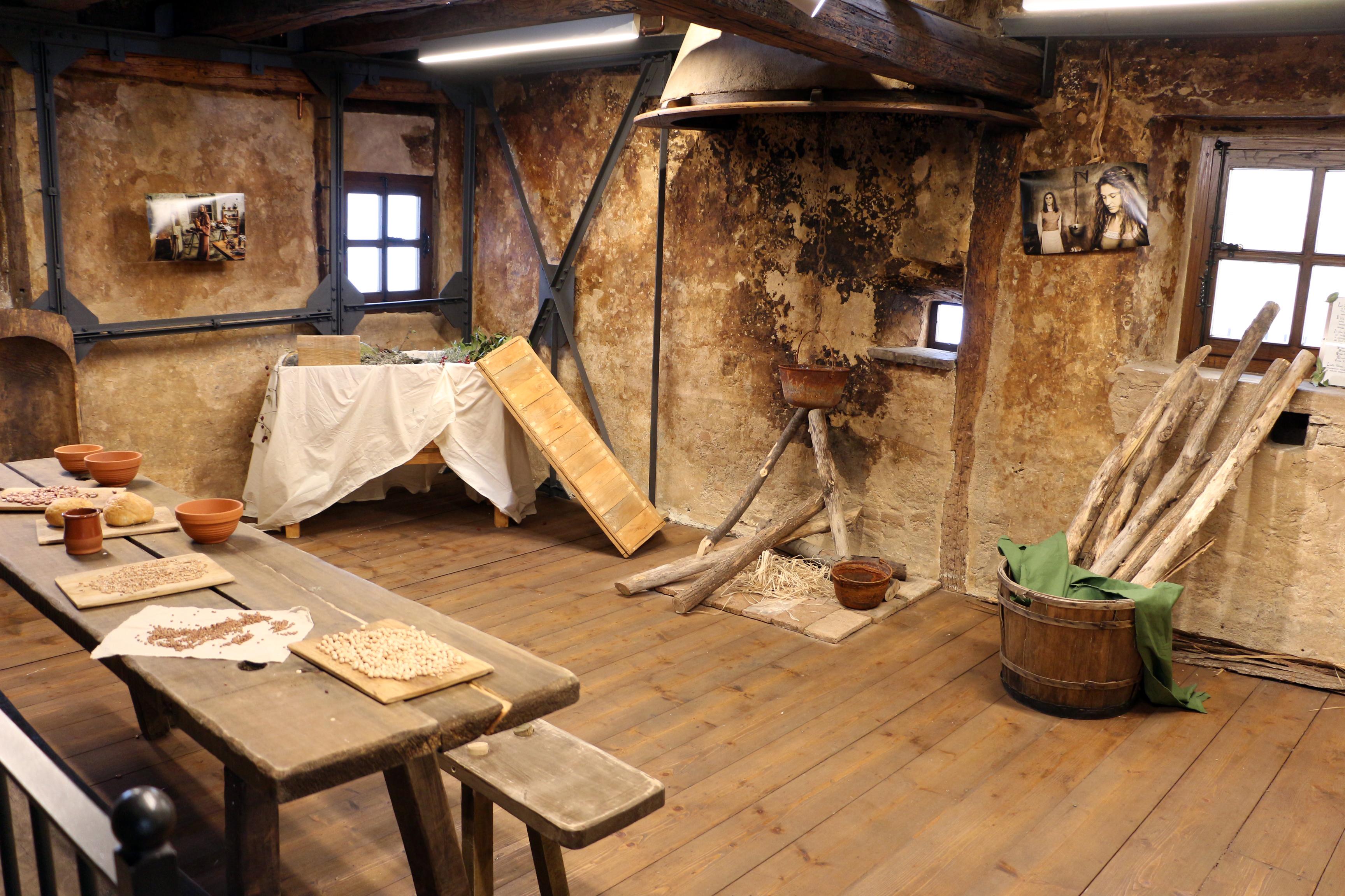 Risultati immagini per cucina medievale