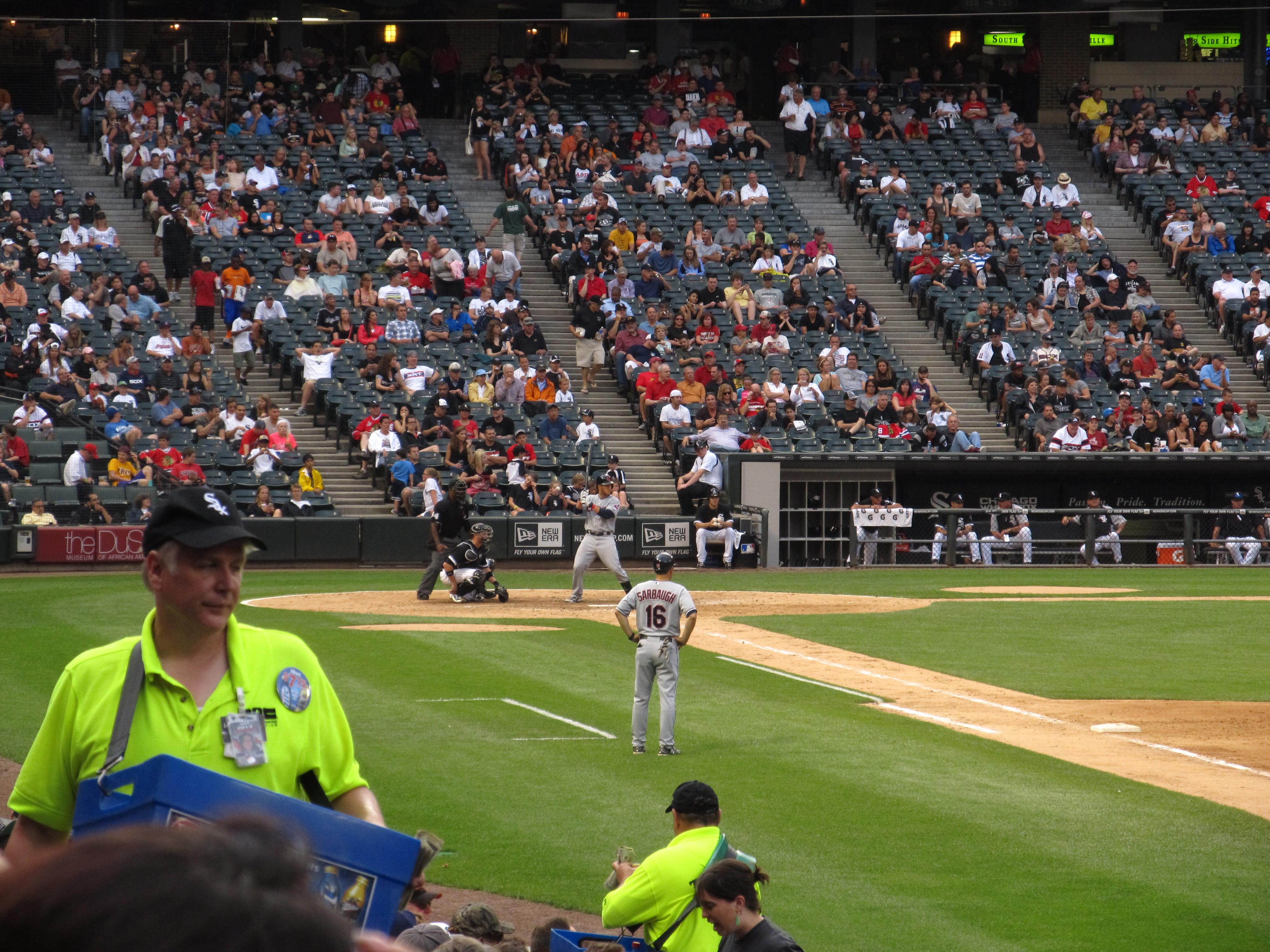 File:Cleveland Indians v. Chicago White Sox, U.S. Cellular Field ...