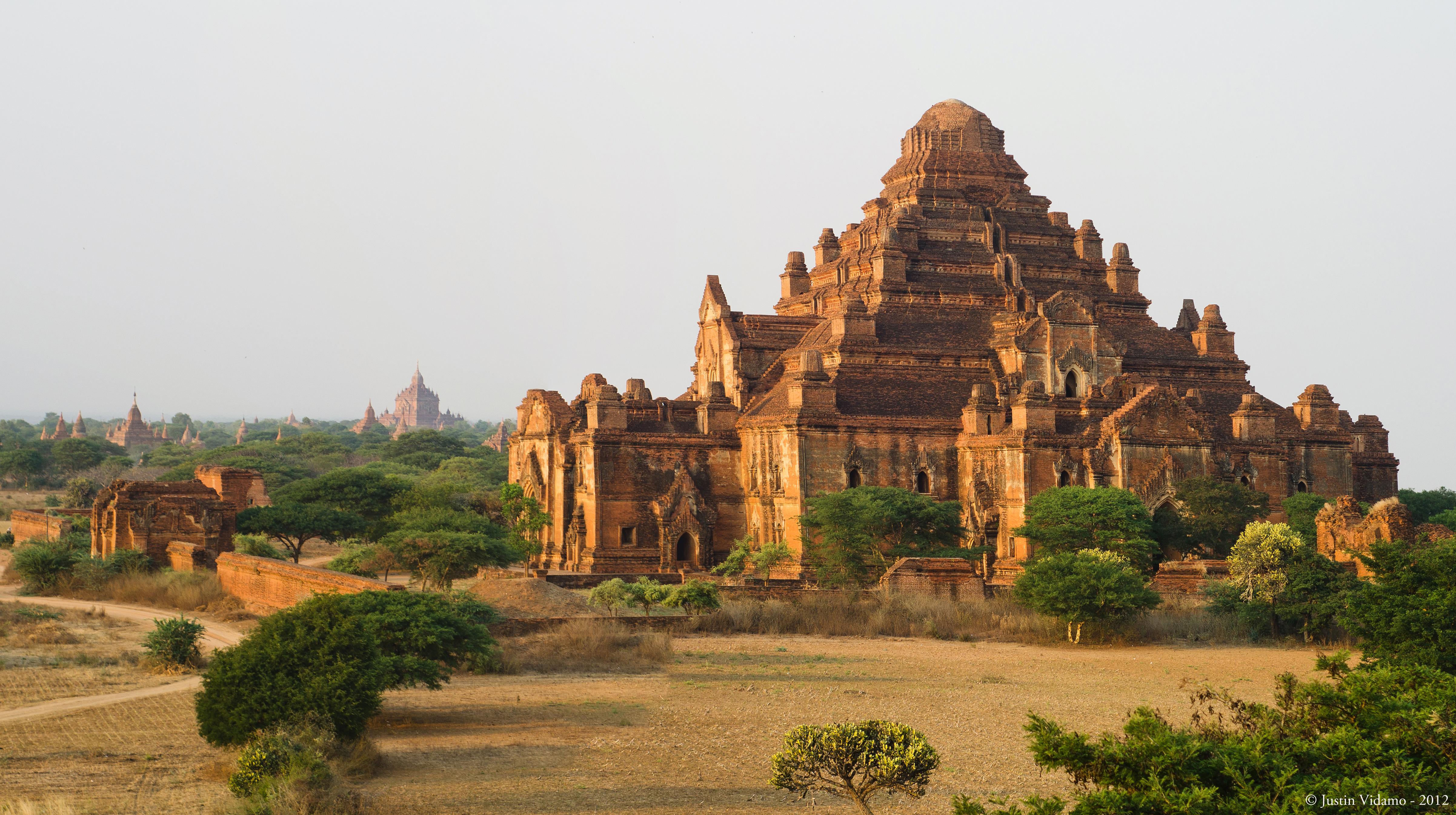 File:Dhammayangyi Temple at Bagan,Myanmar.jpg - Wikimedia ...