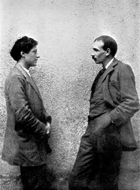 Duncan Grant and John Maynard Keynes photographed facing each other c.1913.