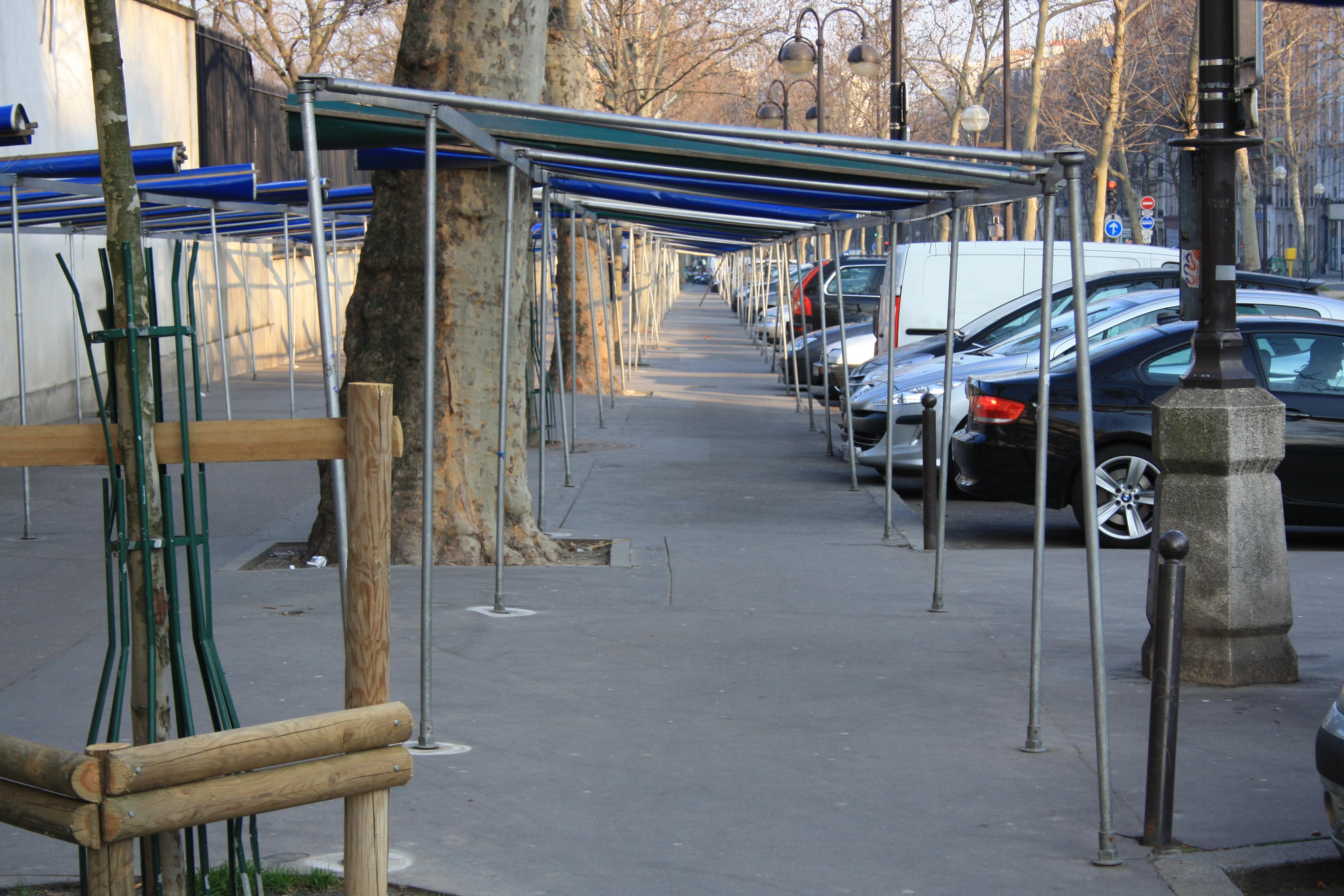 File:Empty market on the Boulevard de Port-Royal in Paris France.jpg ...