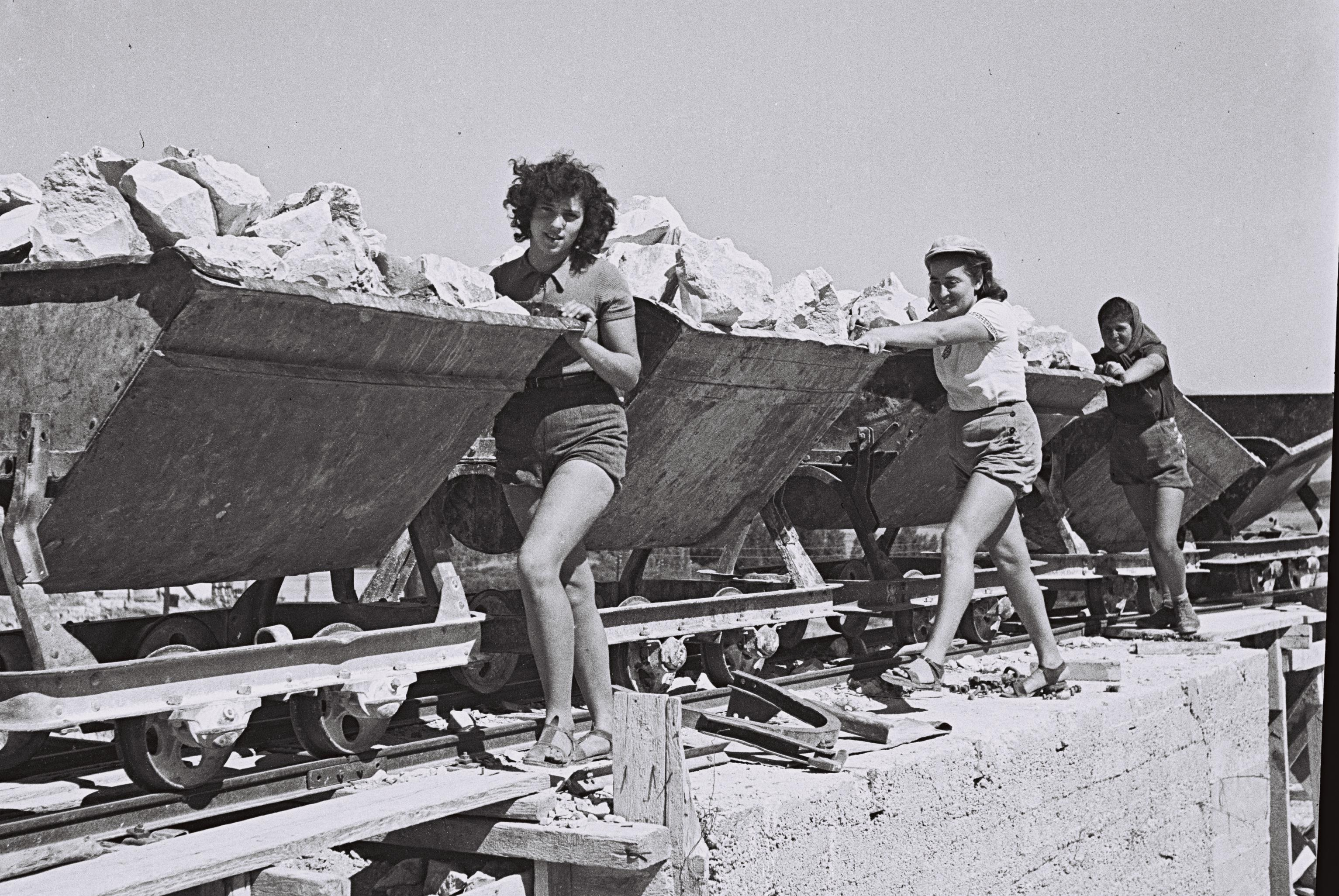 el prado jewish girl personals Albuquerque, nm — albuquerque museum to host exhibit from madrid's el prado museum.