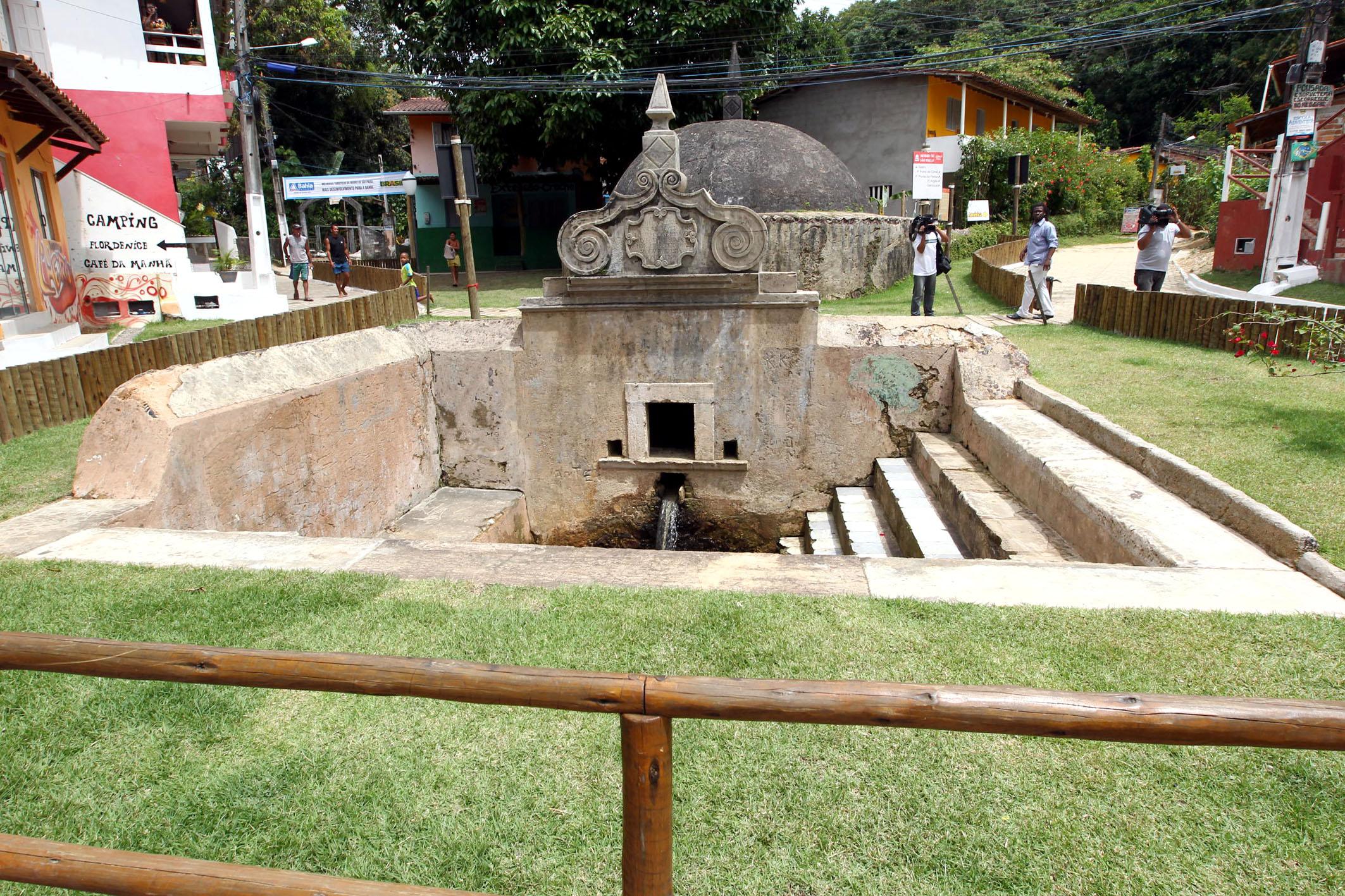 fonte de água do período colonial