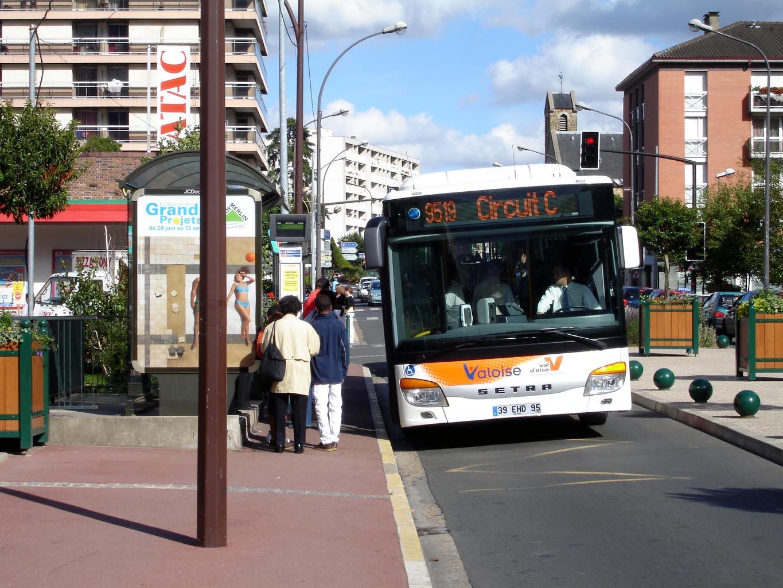 file franconville rue du general leclerc bus 95 wikimedia commons. Black Bedroom Furniture Sets. Home Design Ideas