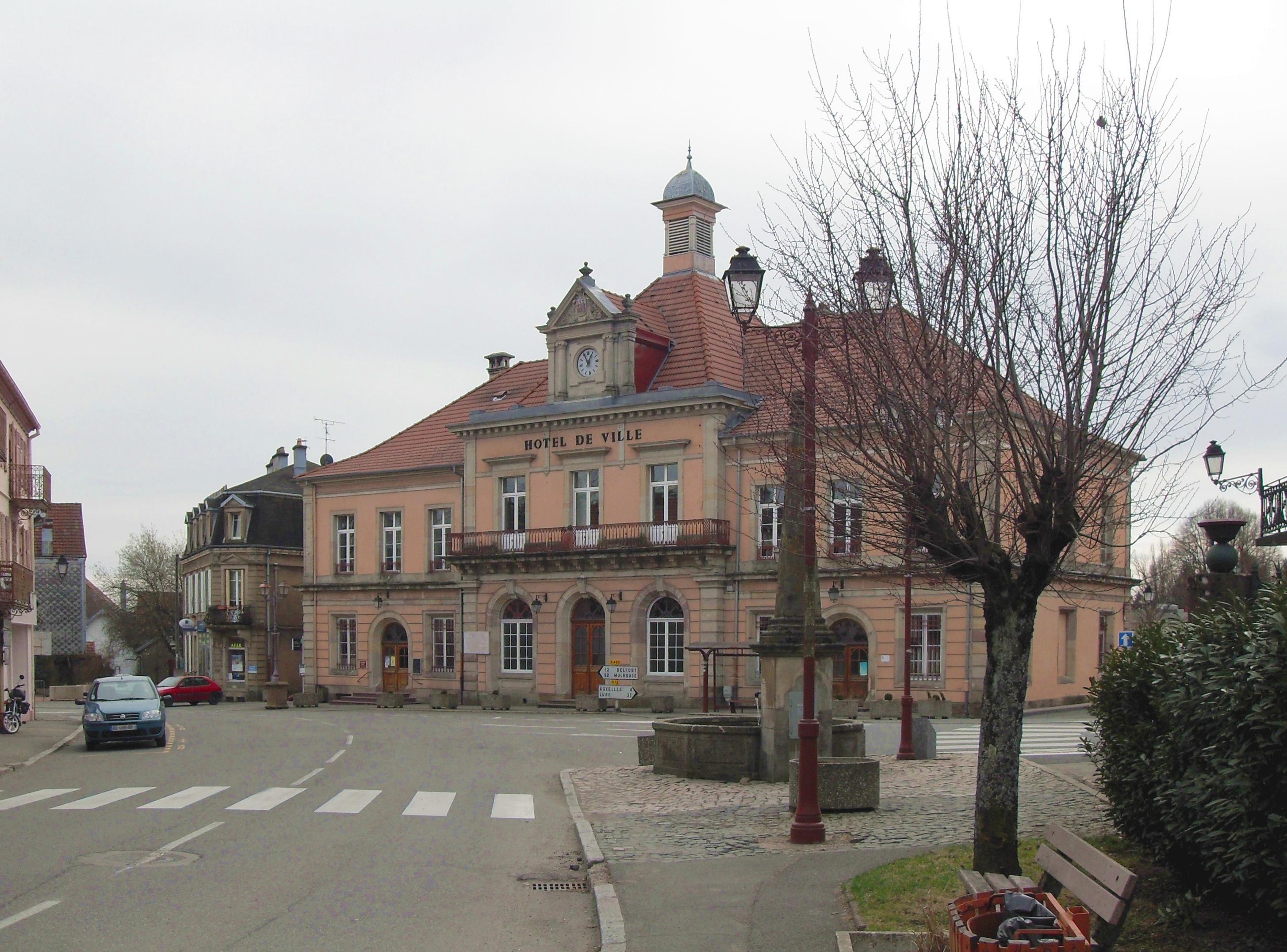 File giromagny h tel de ville wikimedia commons for Hotel de ville