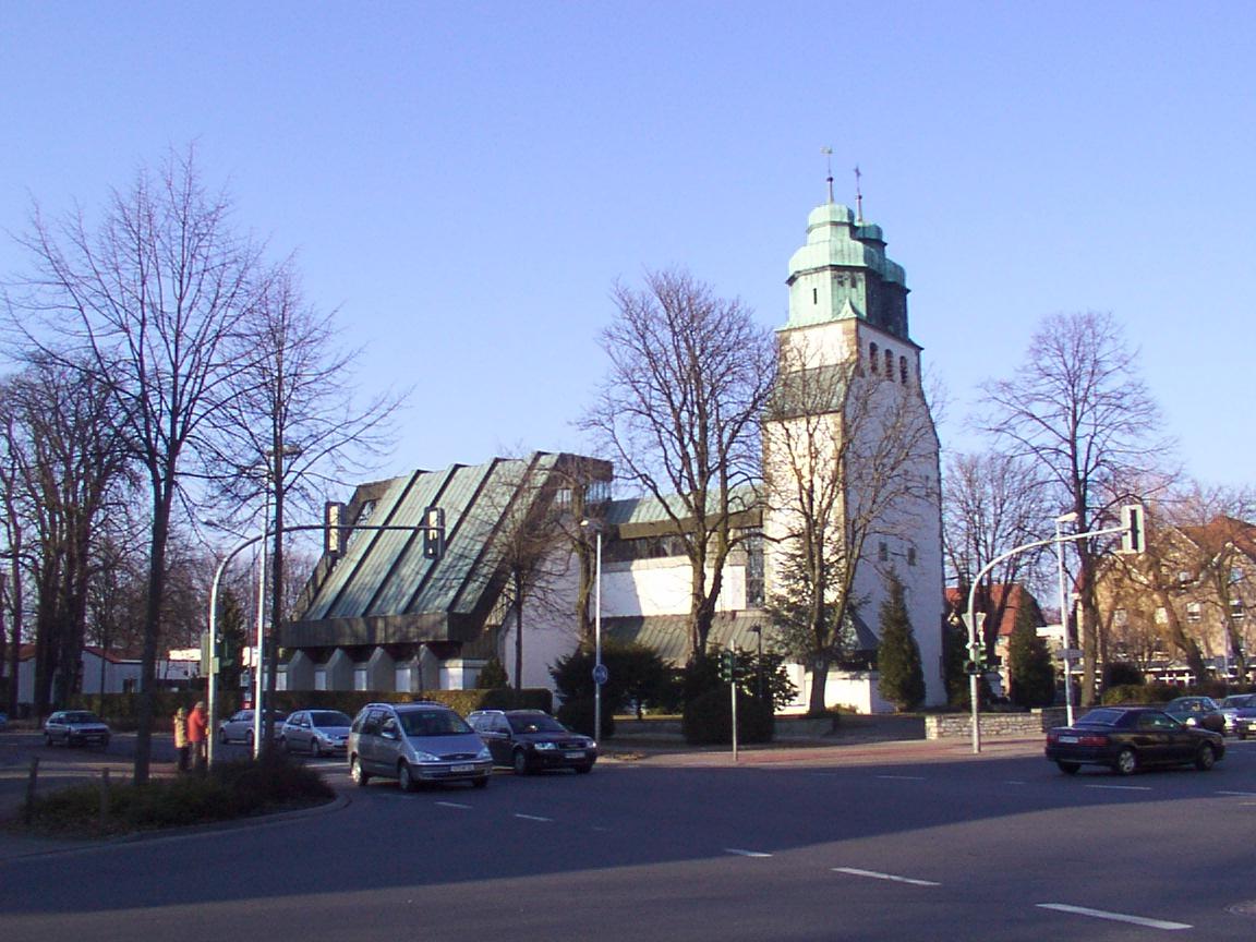 File:Hövelhof Kath.Kirche St.Joh.Nepomuk.jpg - Wikipedia