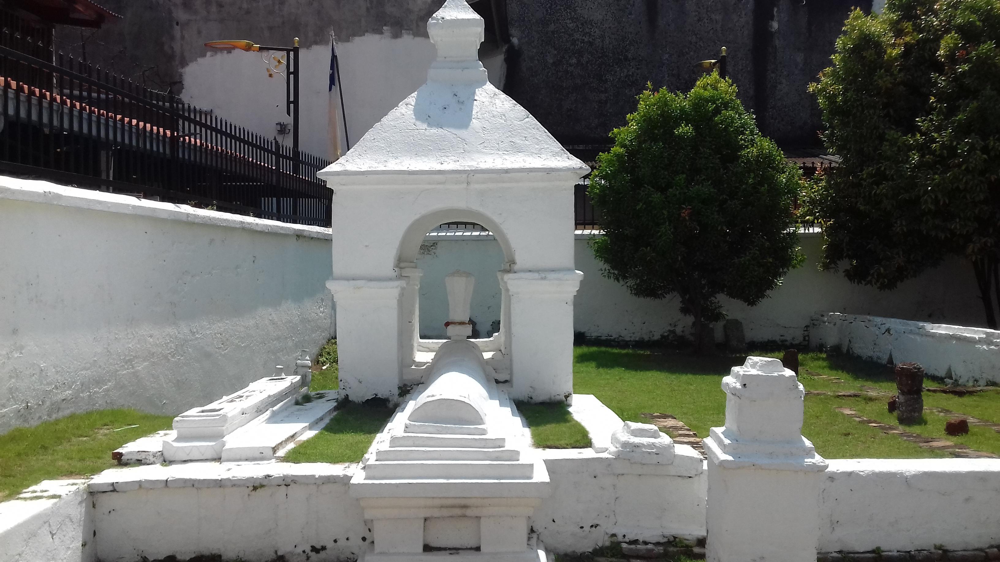 File:Hang Jebat Mausoleum (2).jpg - Wikimedia Commons
