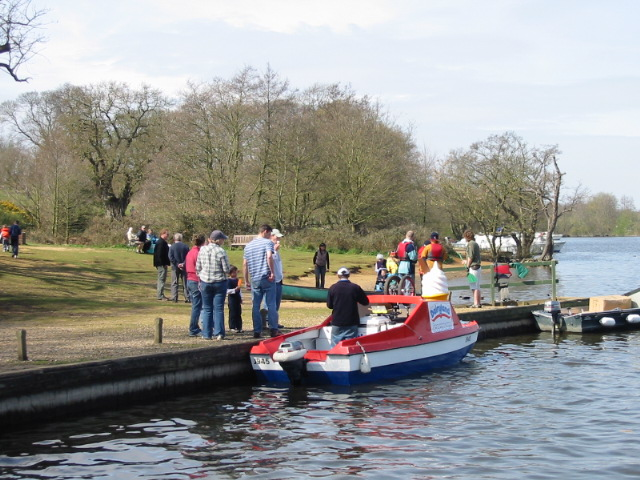 Ice cream boat doing trade at Salhouse Broad - geograph.org.uk - 400247