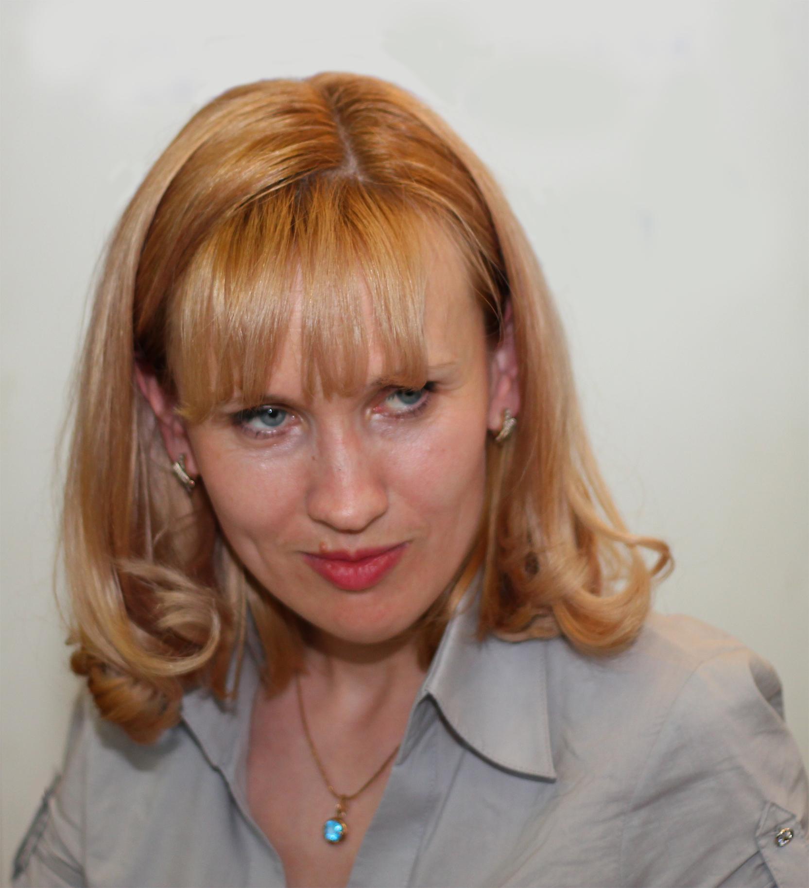 Katya Santos