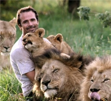 Kevin Richardson with lions.jpg