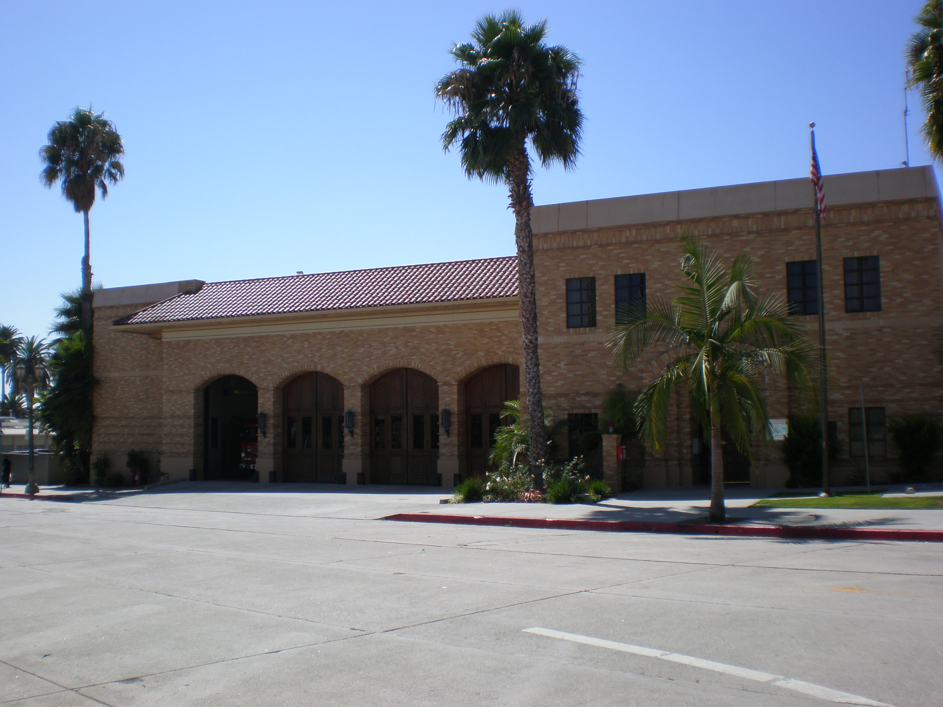 File:LAFD Station - 27 JPG - Wikimedia Commons
