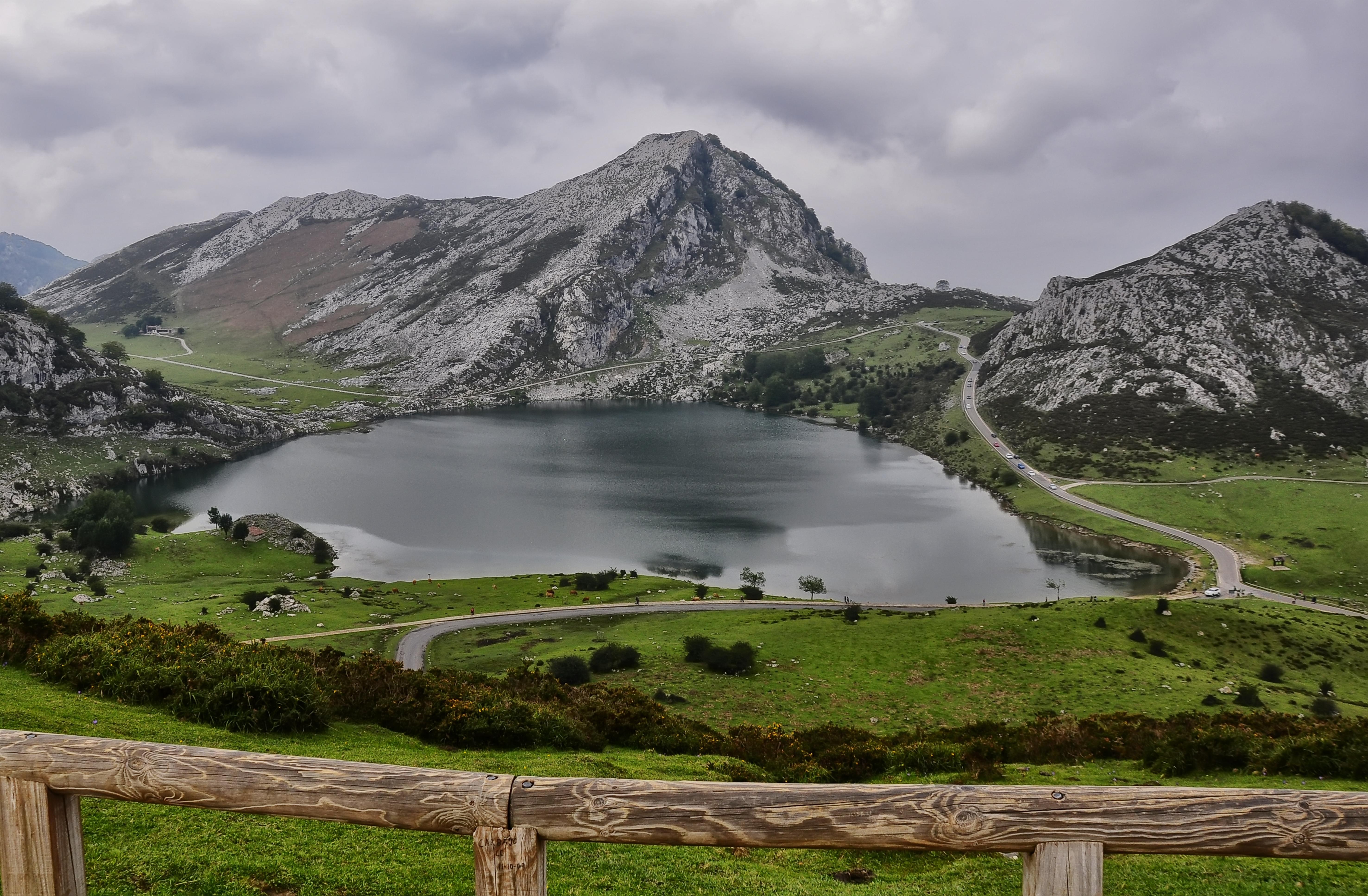 Lagos De Covadonga Wikipedia La Enciclopedia Libre
