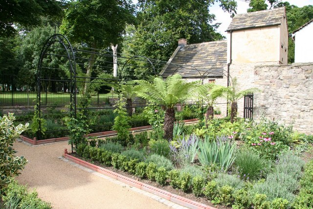 Lady Isabella's Garden - geograph.org.uk - 923874
