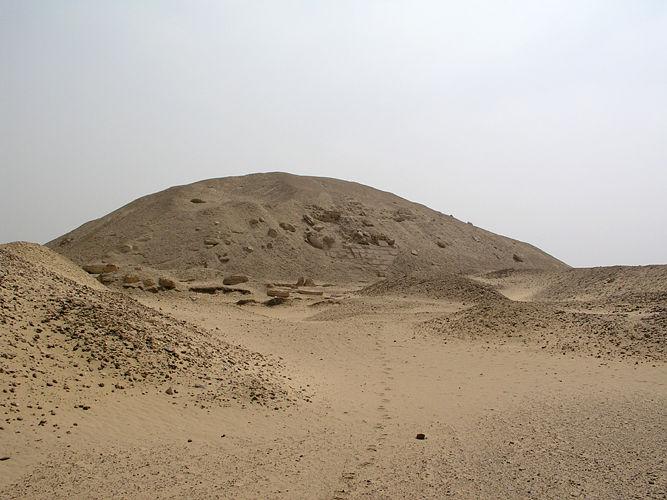Archivo:Licht-senwsPyramids 01.jpg