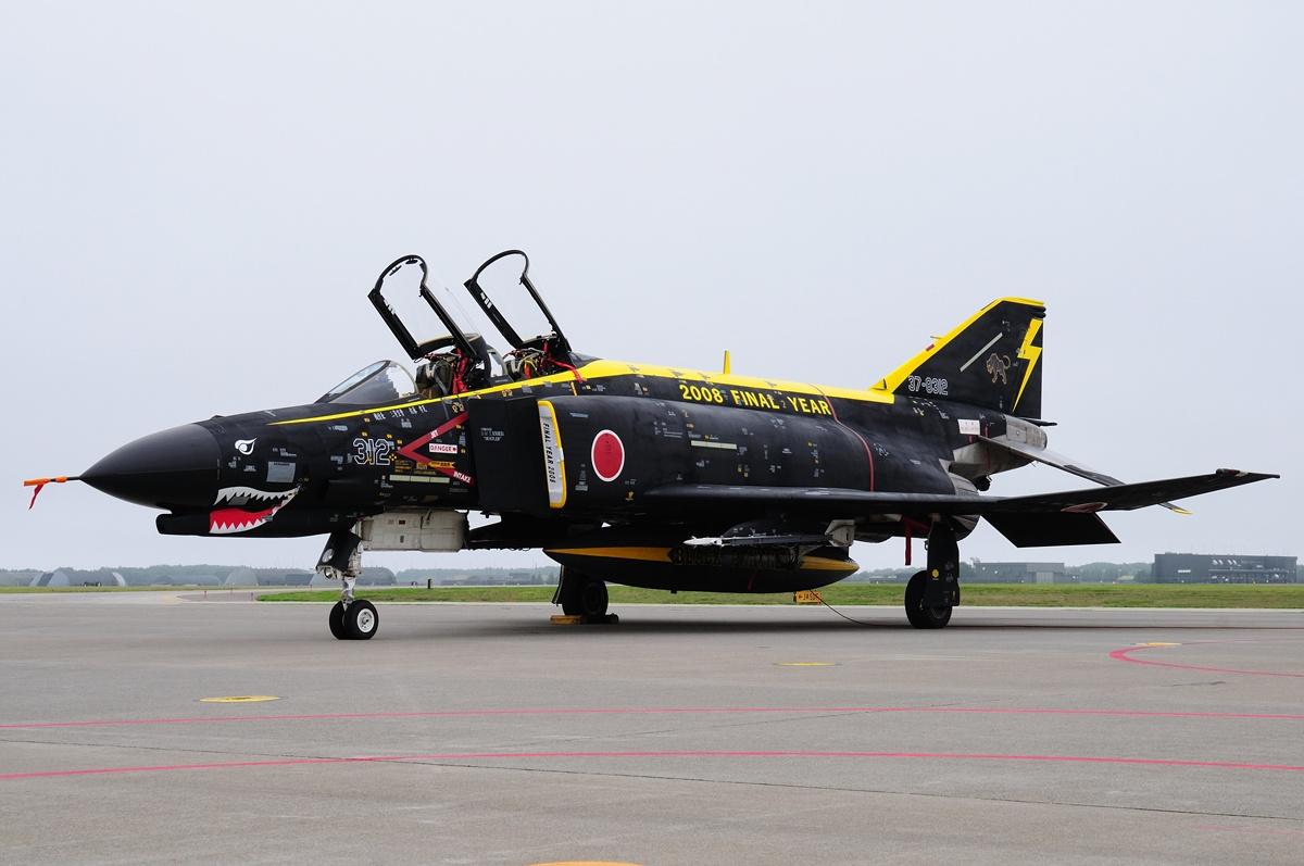 File:McDonnell Douglas (Mitsubishi) F-4EJ Kai Phantom II, Japan - Air Force AN1558397.jpg ...