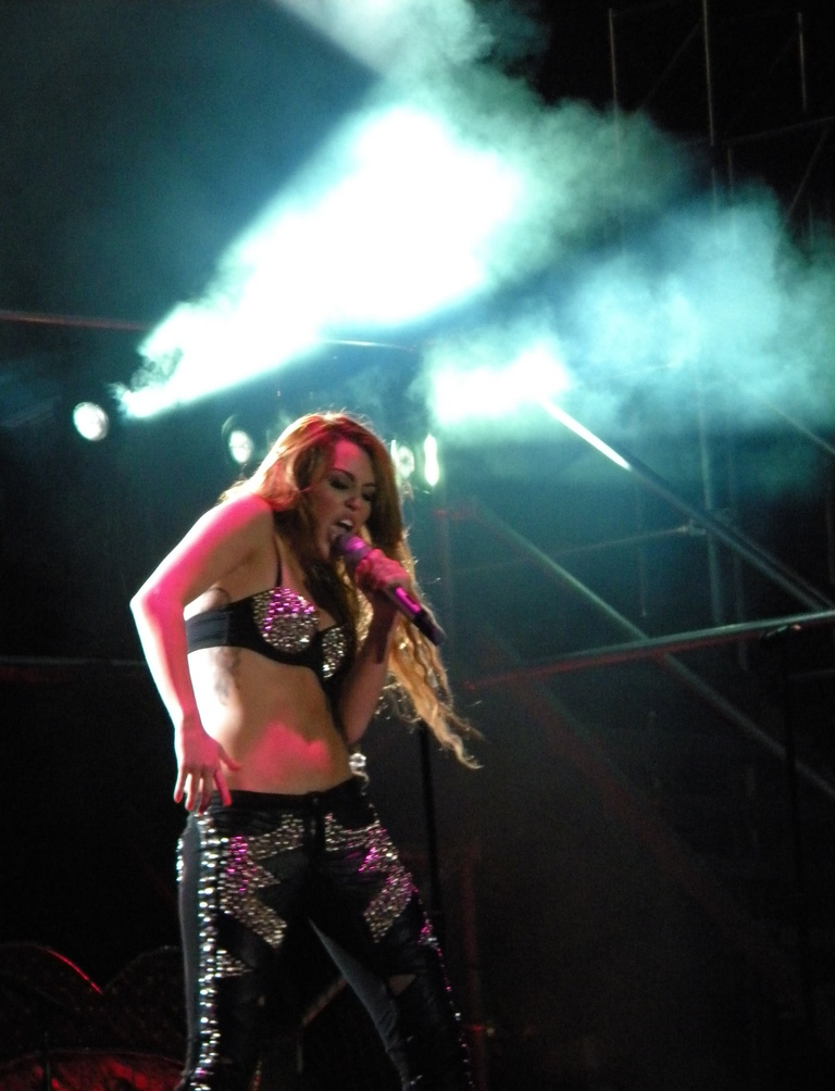 Miley Cyrus Gypsy Heart Tour Dvd Download