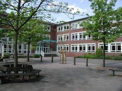 Muenster annettegymnasium schulhof 01.jpg