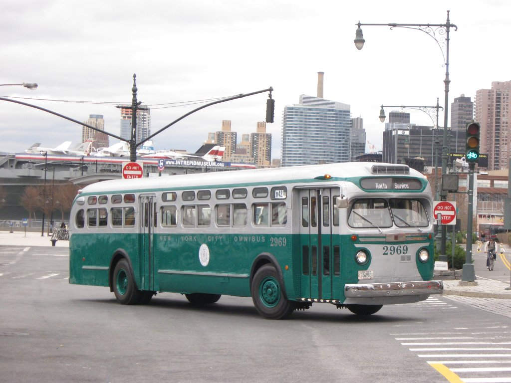 Rochester Ny Restored Old Look Bus: New York City Omnibus Corporation