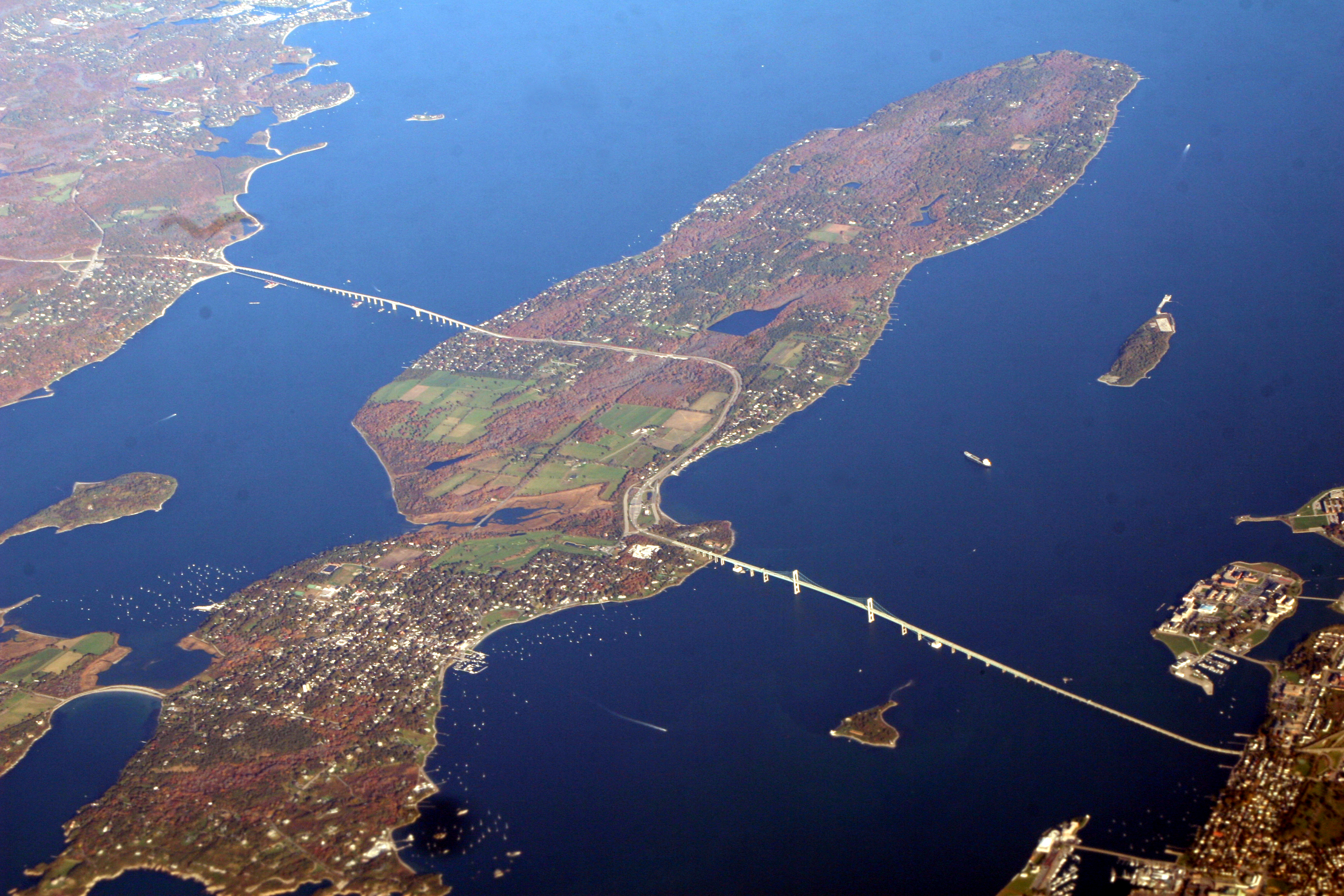 Island In Kitchen File Newport Bridge Narragansett Bay 2 Jpg Wikimedia