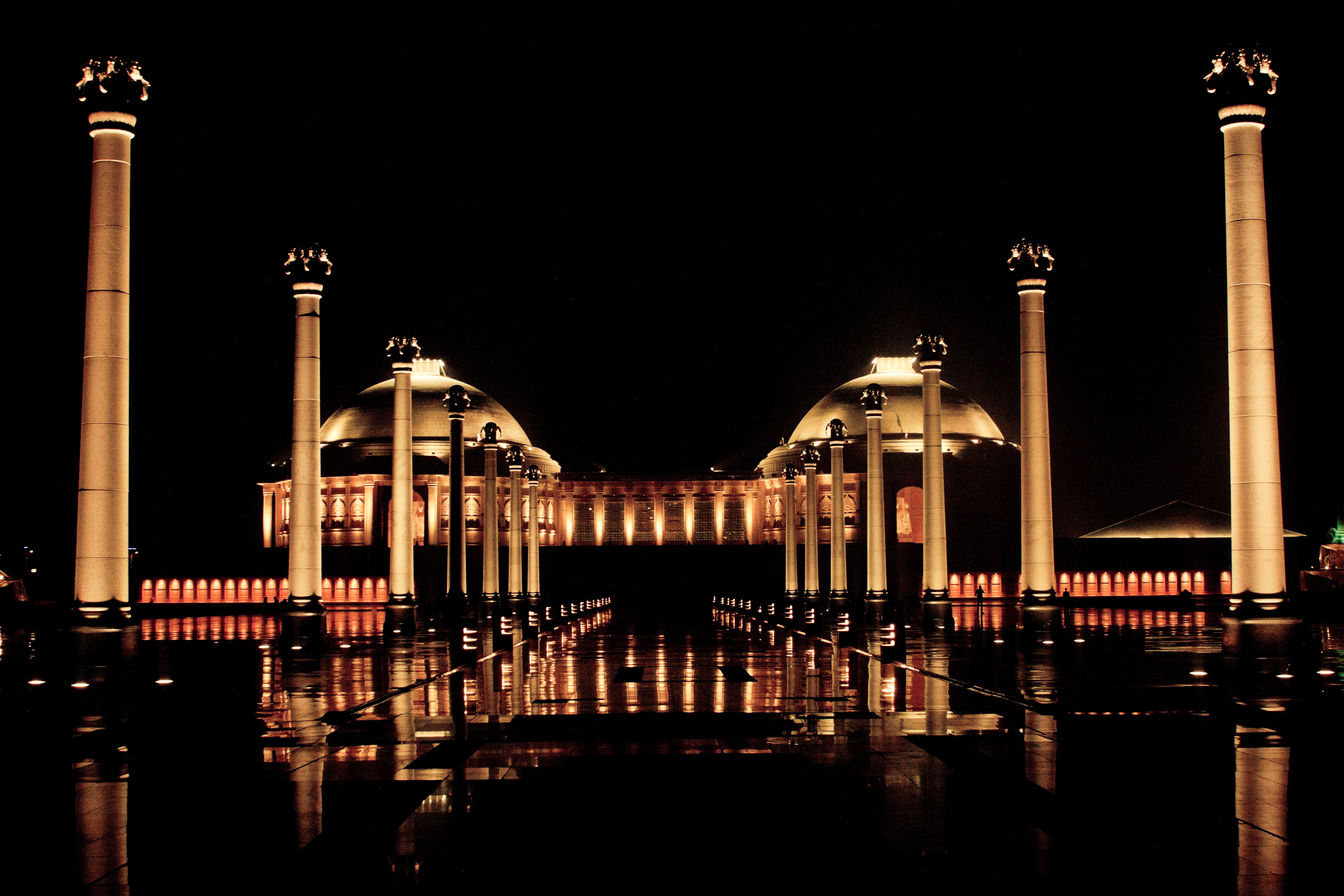 26 Breathtaking Places In India That Are Even More Beautiful At Night