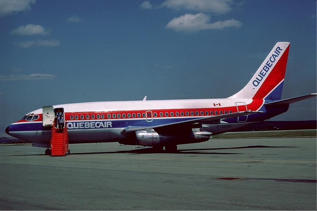 Quebecair_Boeing_737-200_Hanuise.jpg