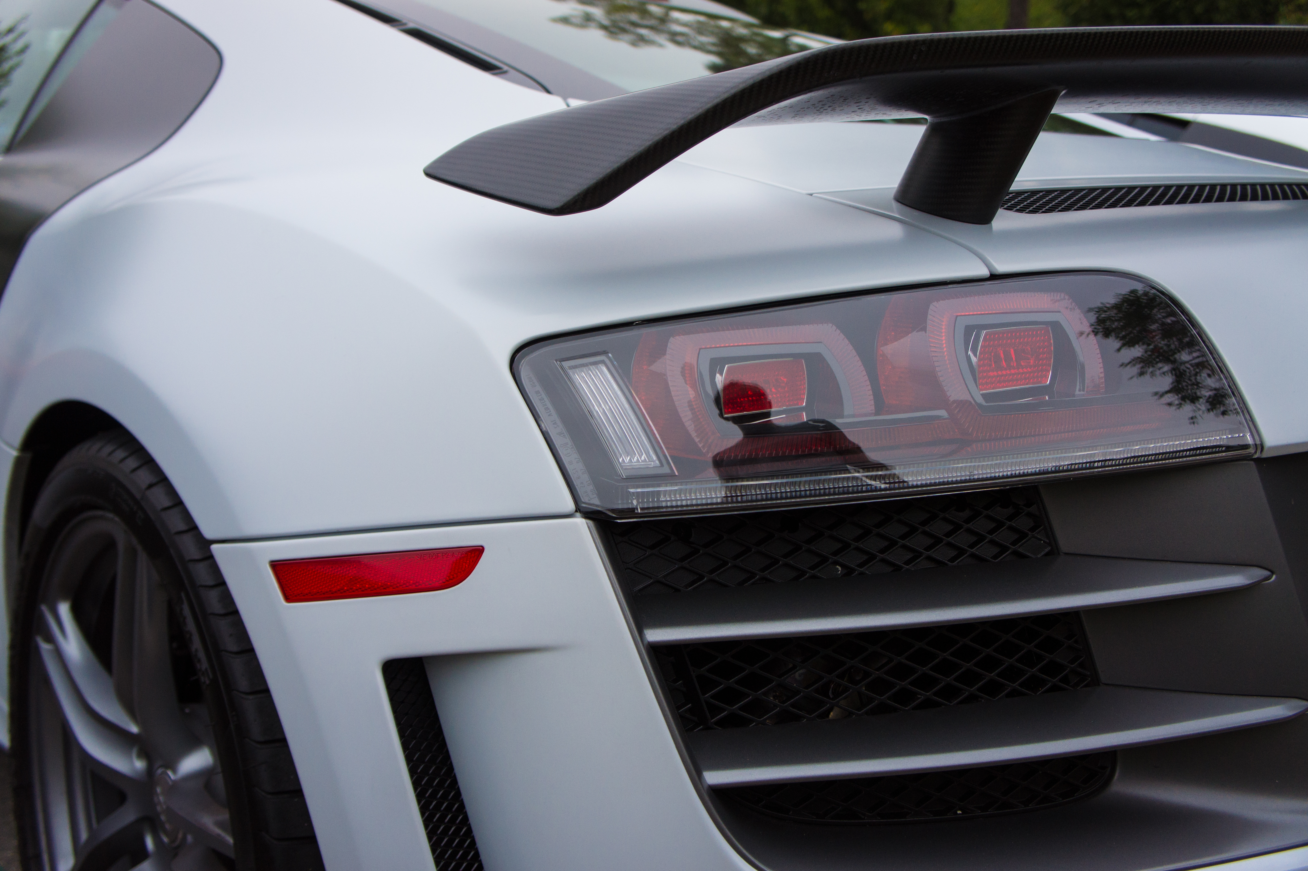 File R8 Gt Taillights 8208567871 Jpg Wikimedia Commons