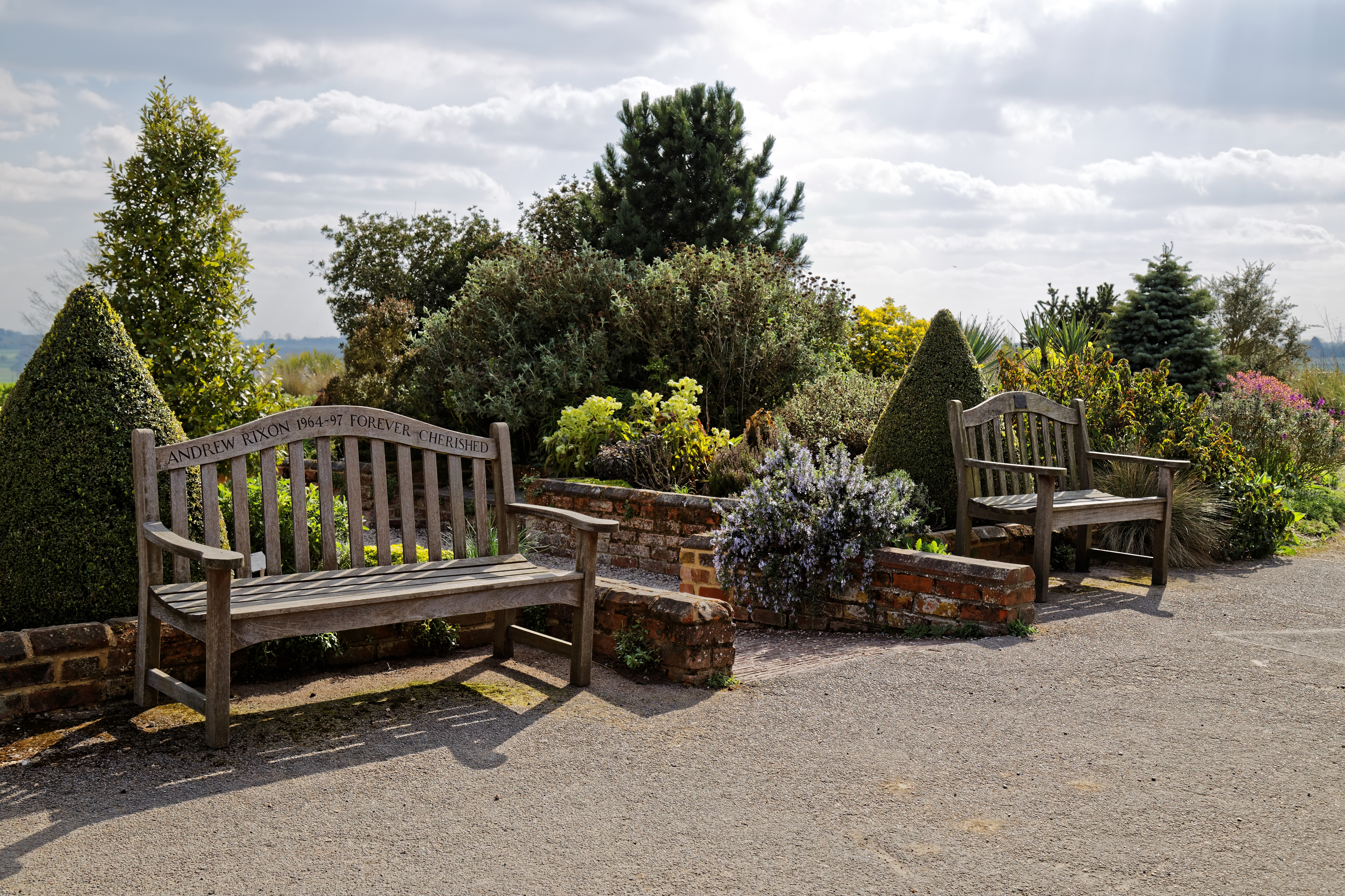 Awesome File Rhs Garden Hyde Hall Essex England Memorial Benches Short Links Chair Design For Home Short Linksinfo