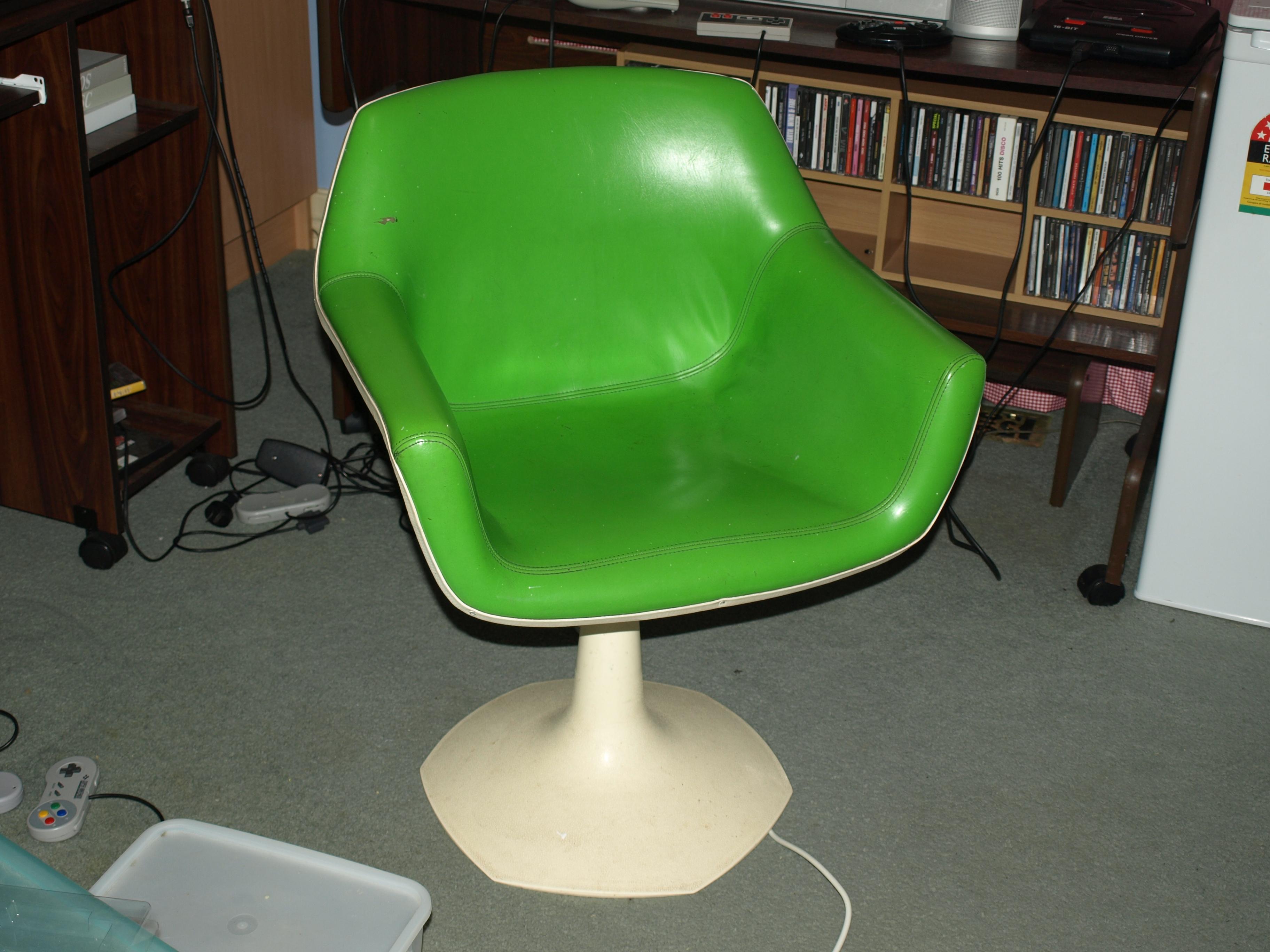 File Retro Green Chair Wikimedia mons