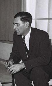 http://upload.wikimedia.org/wikipedia/commons/d/d6/Roberto_Sanches_Vilella_1958.jpg