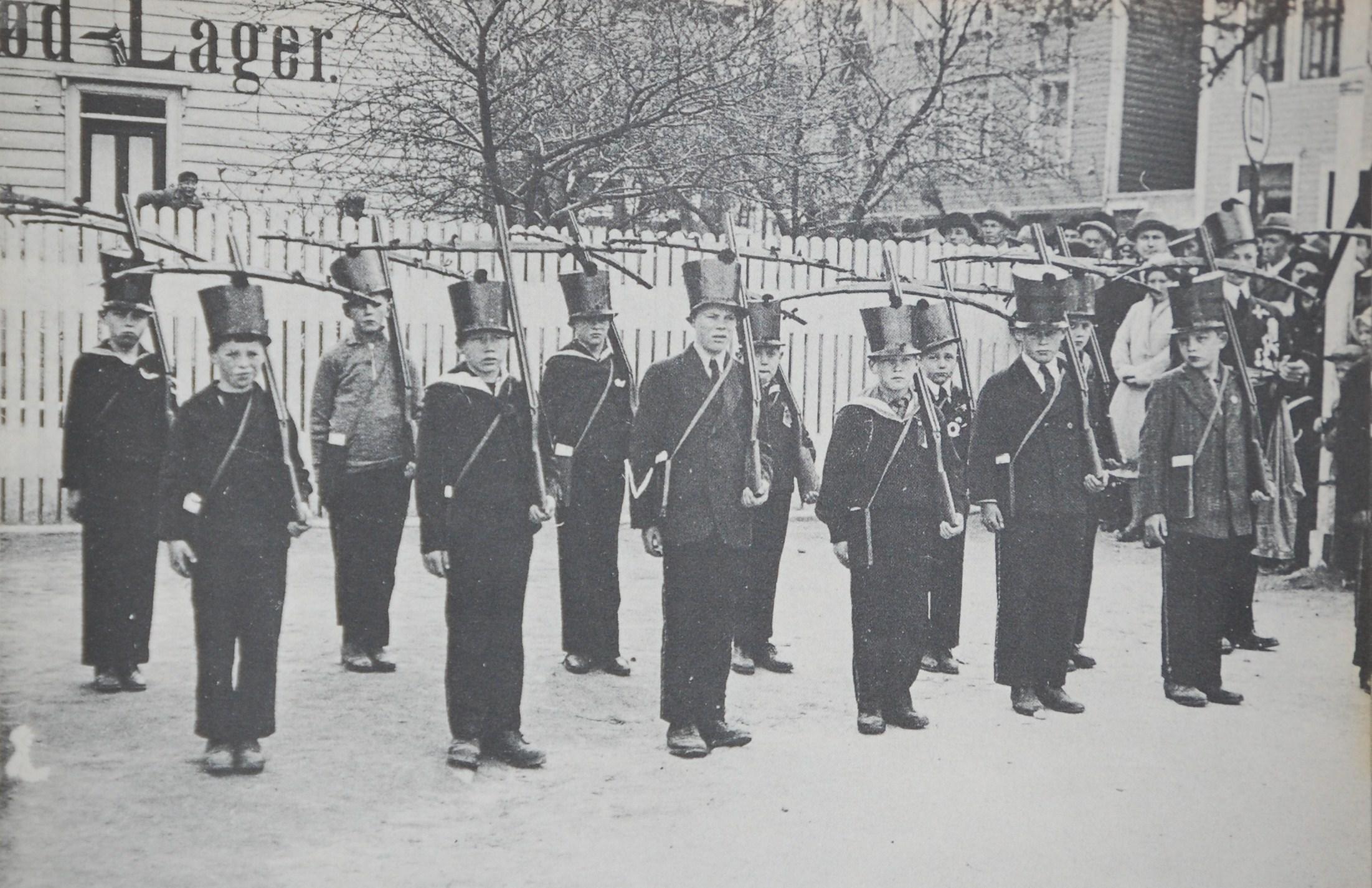 sandvikensbuekorps 1932.jpg