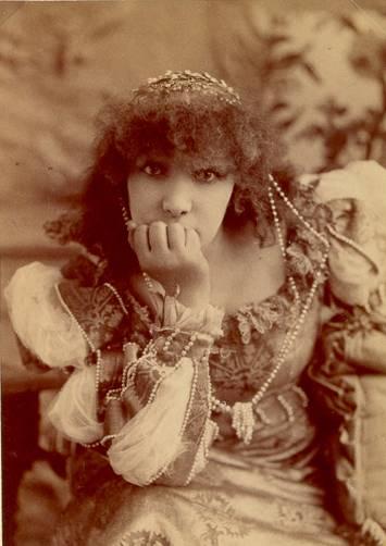 Napoleon Sarony's 1890 photo of Sarah Bernhardt (1844-1923)