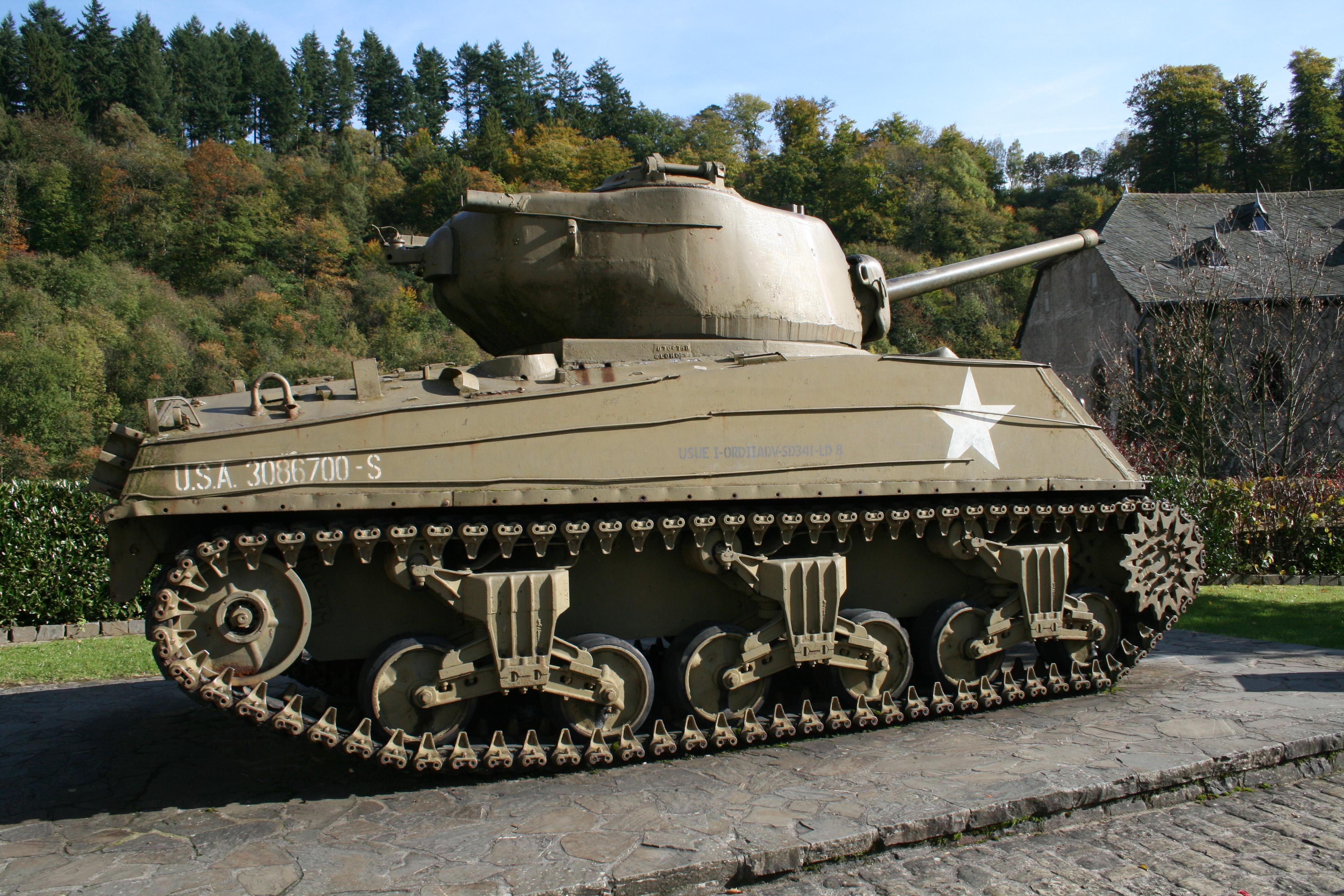 File Sherman M4a3 76 Clervaux Jpg Wikimedia Commons