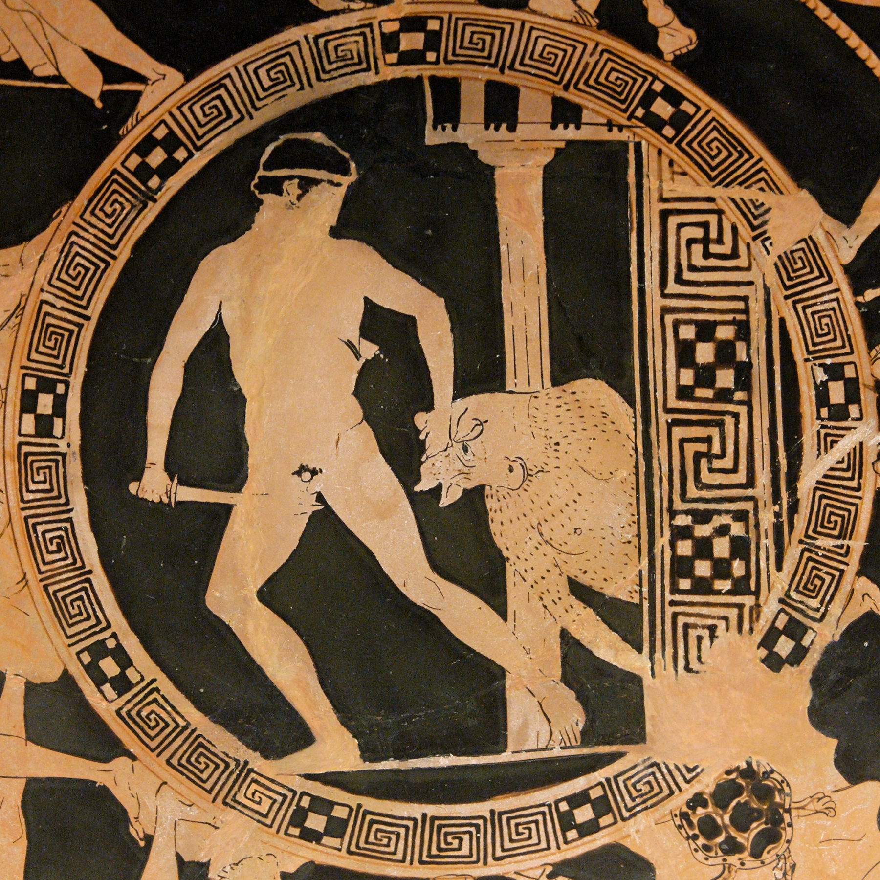 http://upload.wikimedia.org/wikipedia/commons/d/d6/Theseus_Minotaur_BM_Vase_E84.jpg