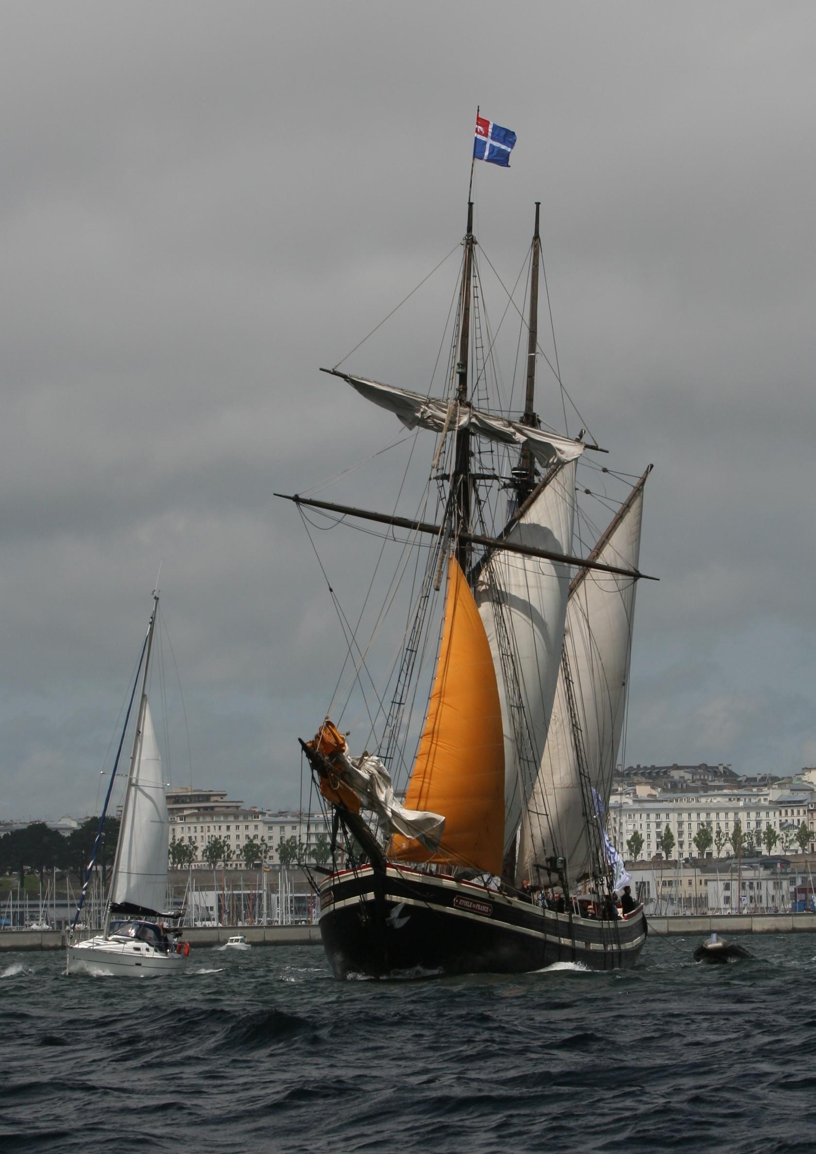 Tonnerres de Brest 2012 - 120716-059 Étoile de France.jpg