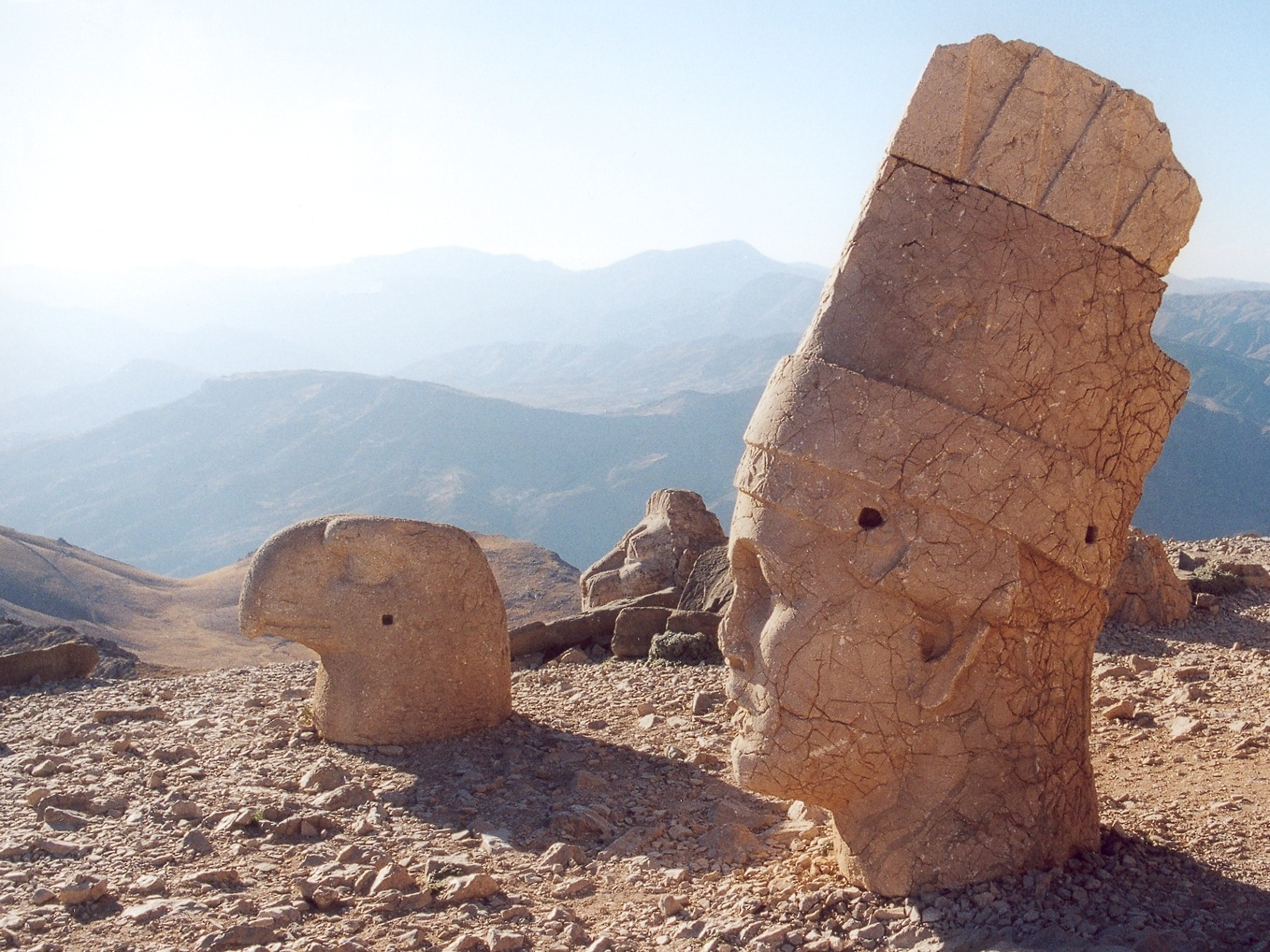 http://upload.wikimedia.org/wikipedia/commons/d/d6/Turkey_nemrut_dagi_3.jpg