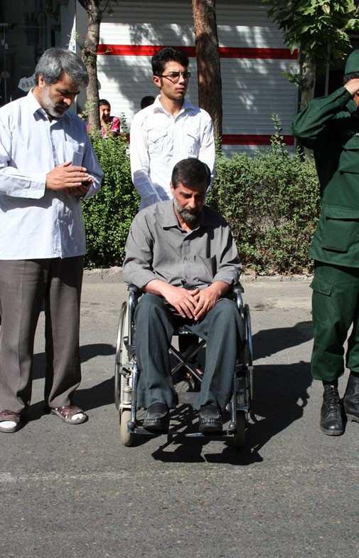 Veteran-Head down-Wheelchair-Nishapur.jpg