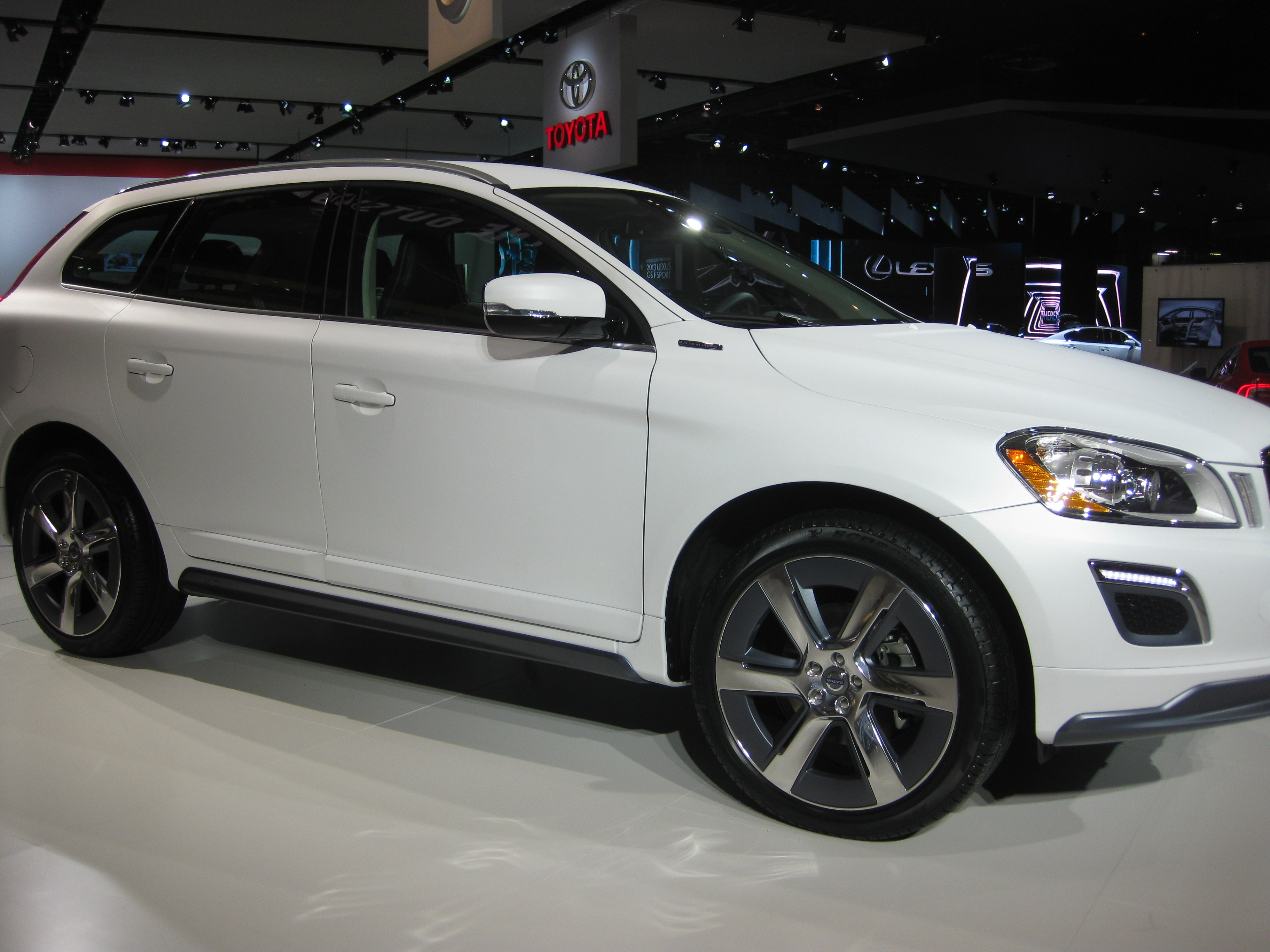 File Volvo Xc60 Plug In Hybrid At Naias 2012 6683633489