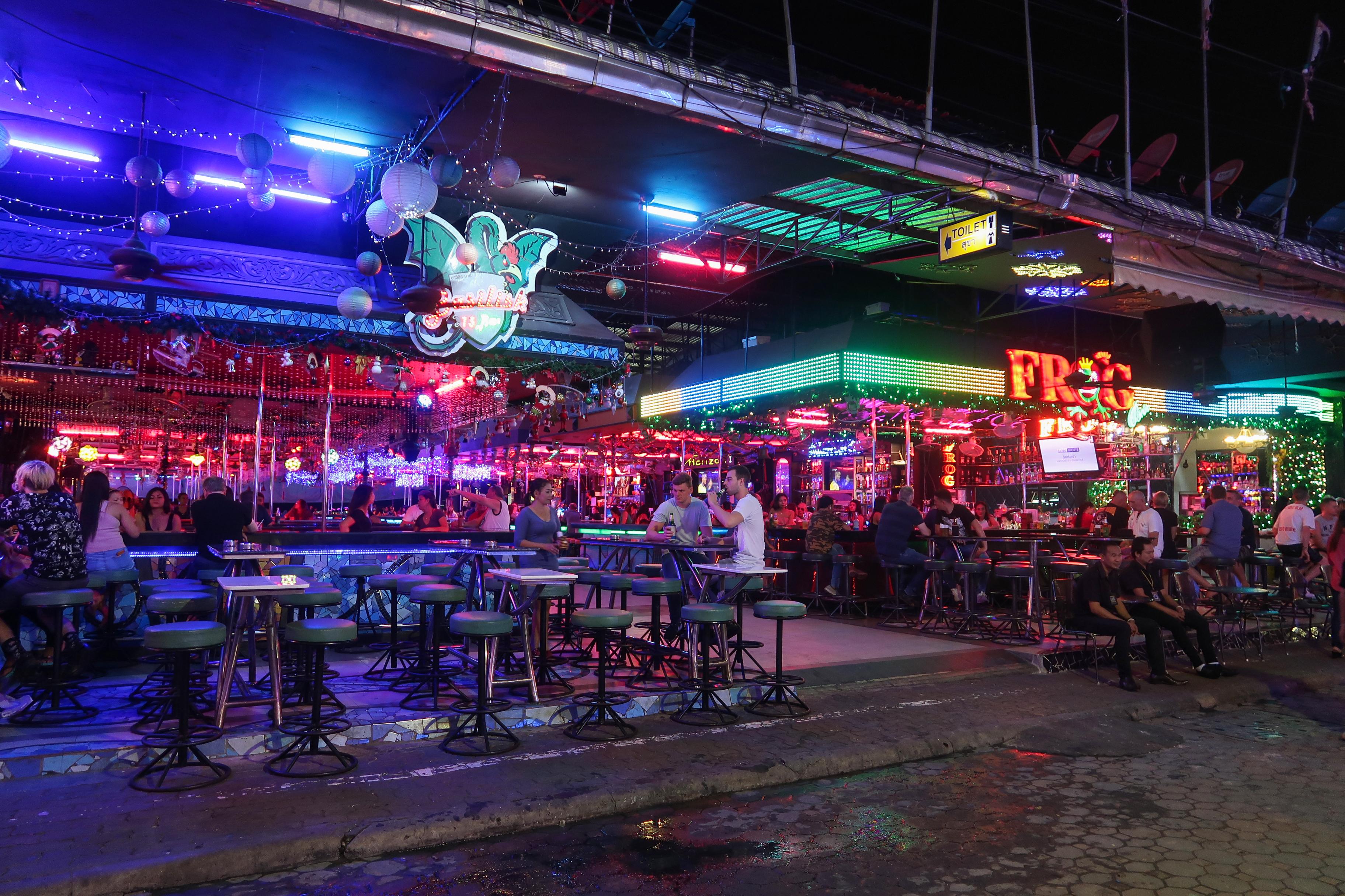 Walking Street Pattaya Frog Bar