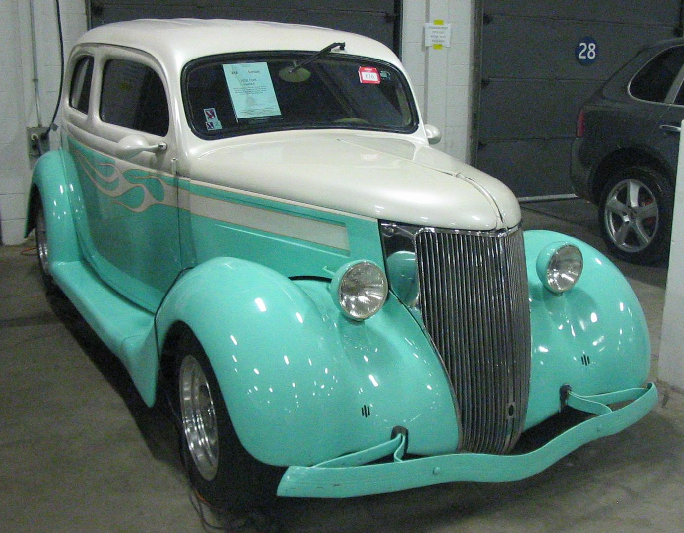 File:\'36 Ford Model 48 (Toronto Spring \'12 Classic Car Auction ...