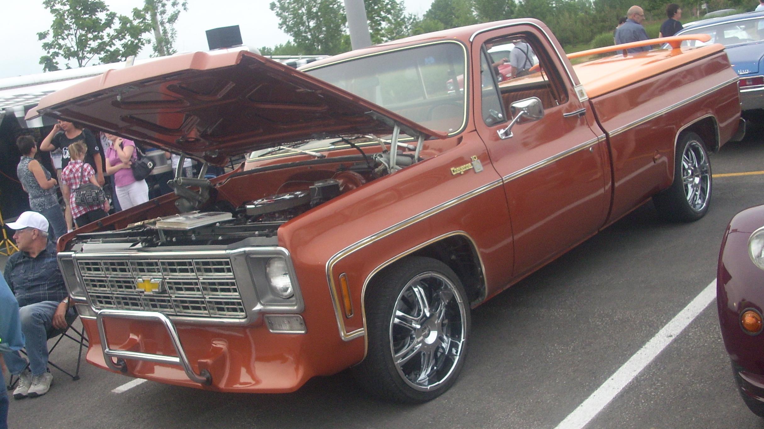 File:'77 Chevrolet C-K Cheyenne (Centropolis Laval '10).jpg ...