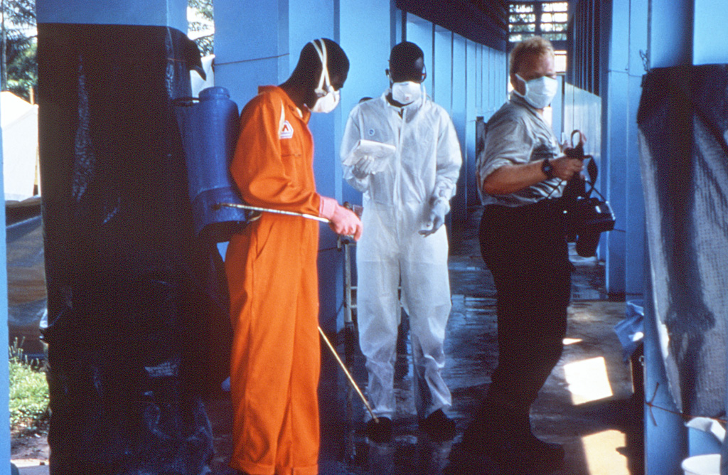File 12737 Phil Disinfection Ebola Outbreak 1995 Jpg Wikimedia Commons